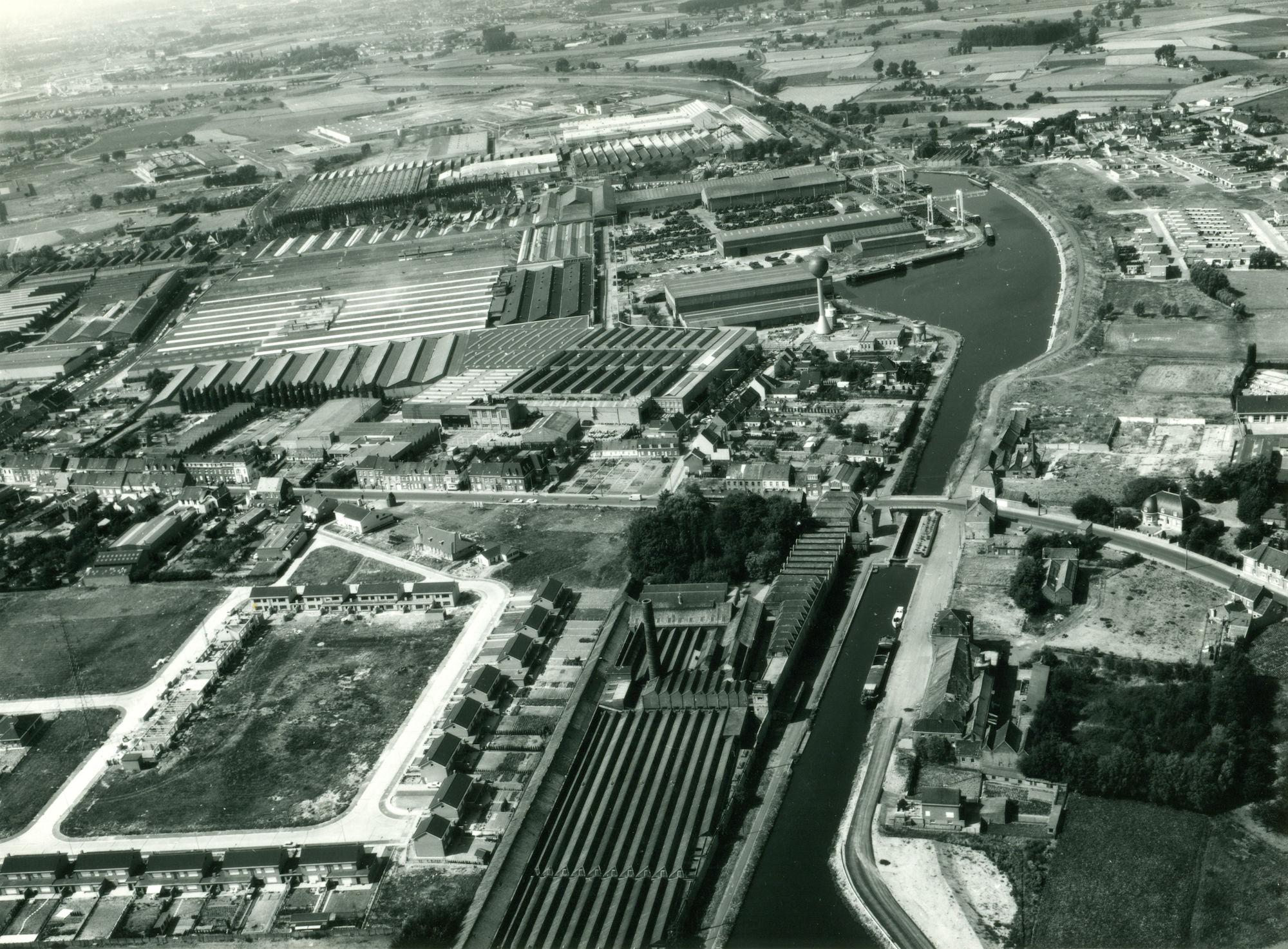 Panoramisch zicht Kanaal Bossuit-Kortrijk te Zwevegem 1976