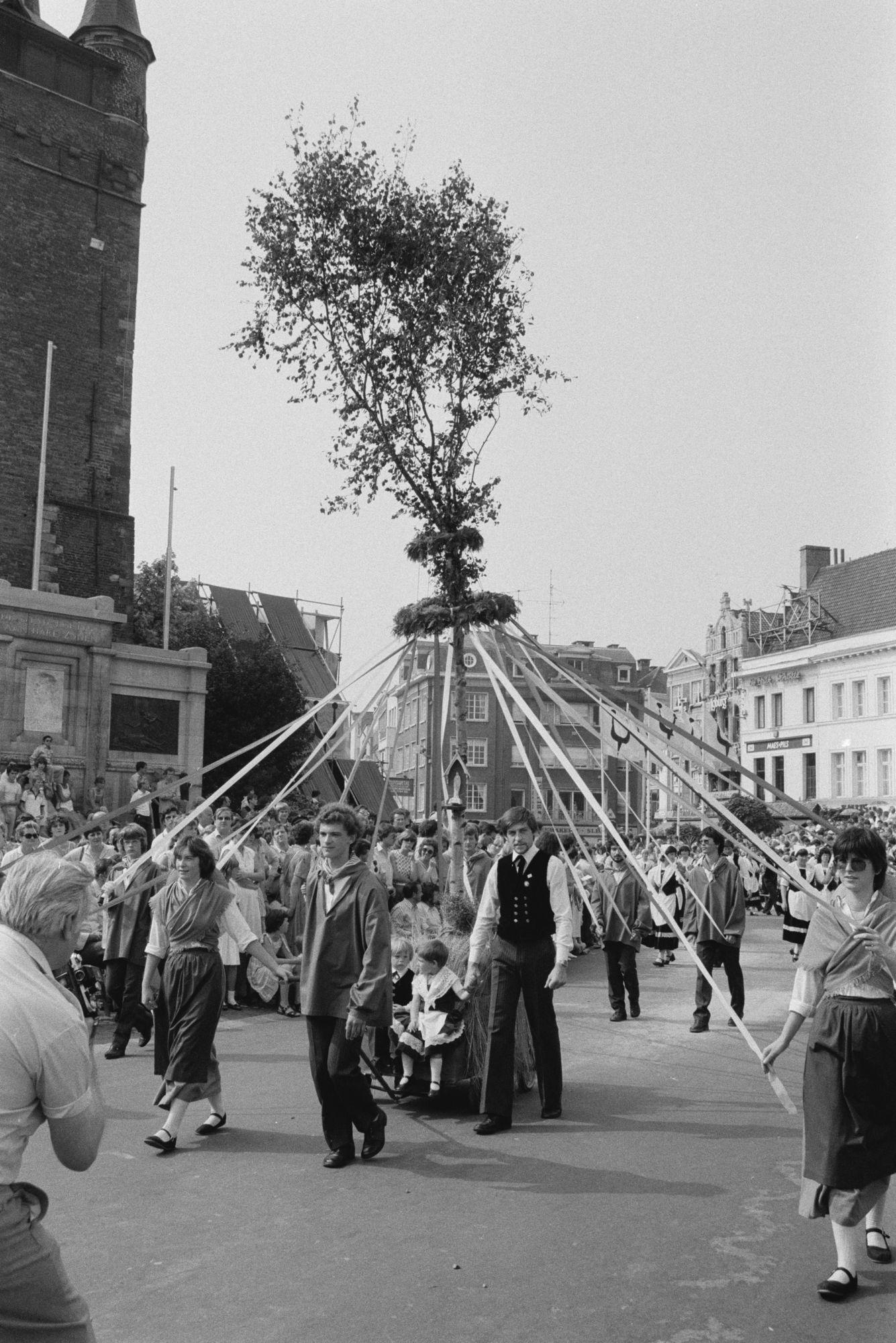 Historische stoeten 11 juliviering 1982