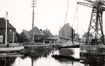 Ophaalbrug Nr. 3 over het kanaal Bossuit-Kortrijk tussen Kortrijk en Harelbeke 1940