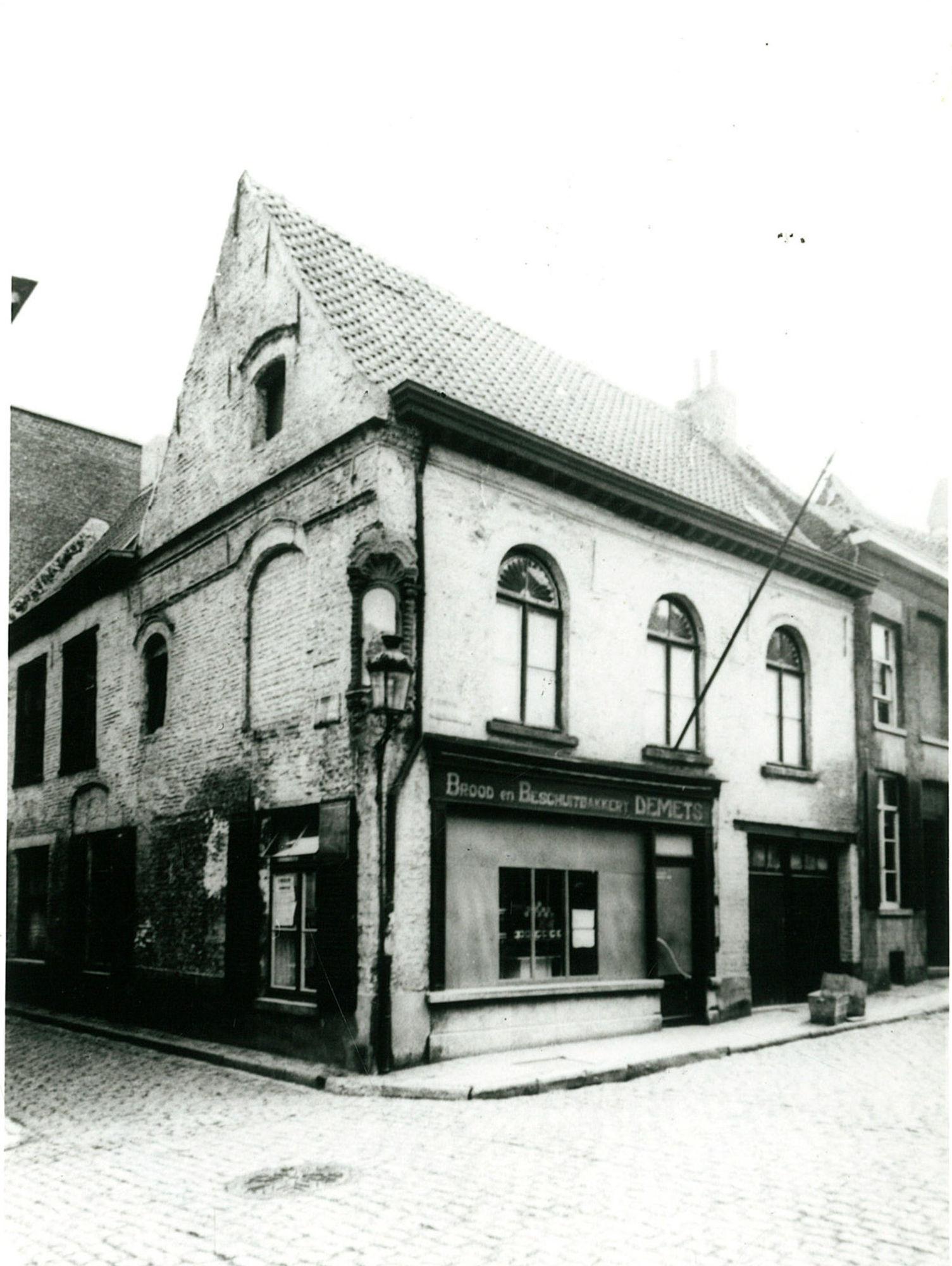 Bakkerij De Mets, op de hoek van de Papenstraat en de Stovestraat