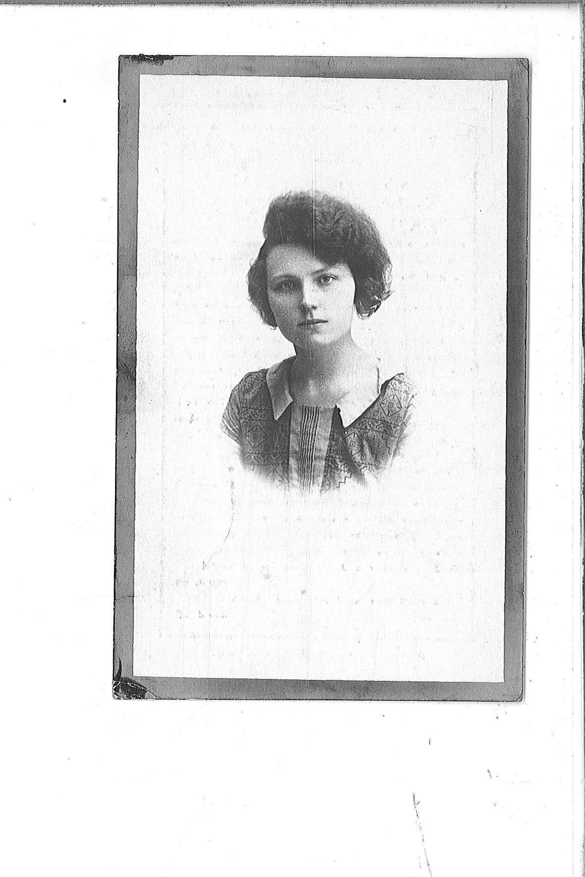 Agnès-Ivone-Marie(1930)20140110132504_00014.jpg