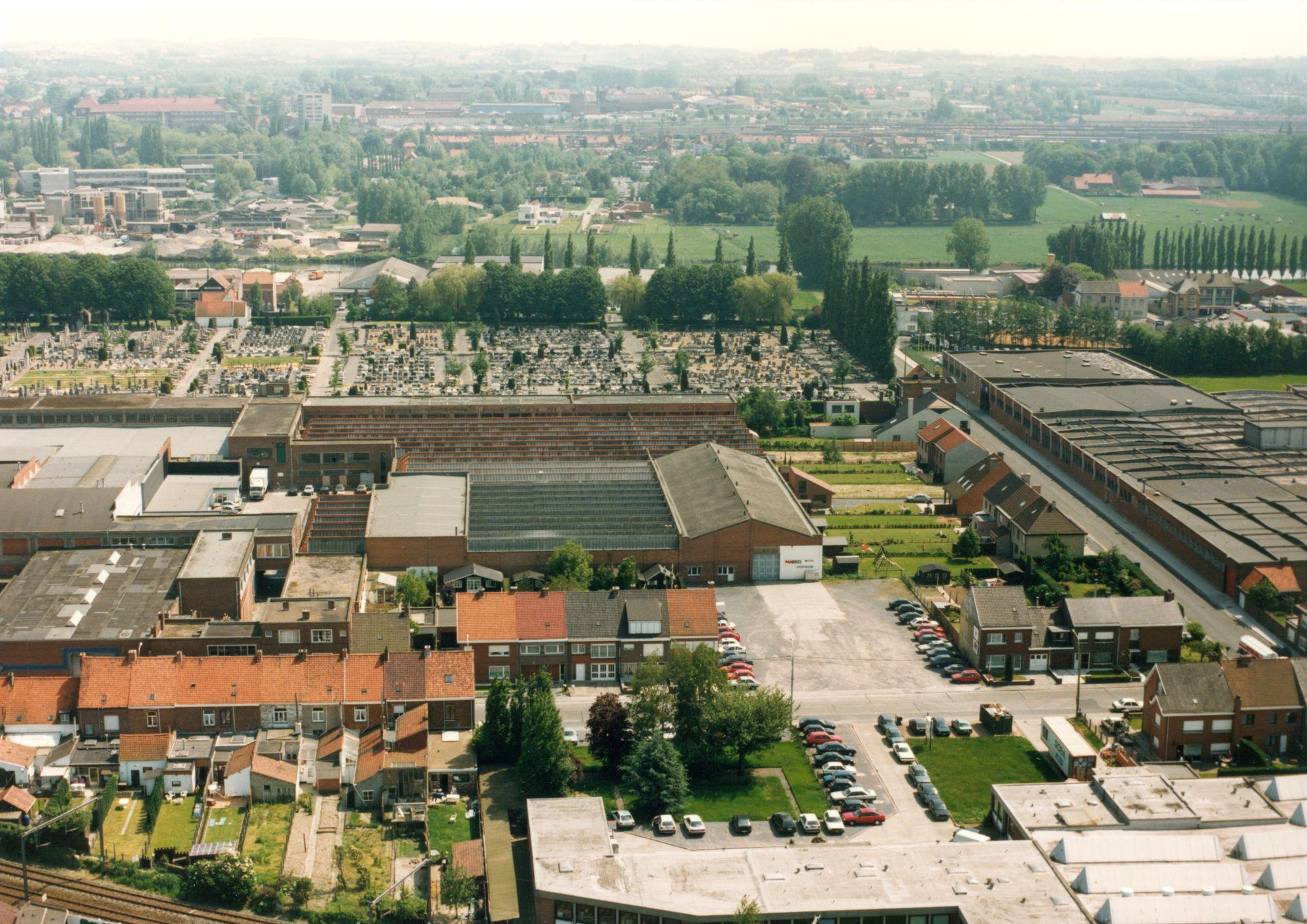 Kerkhof en Zwingelaarsstraat 1986