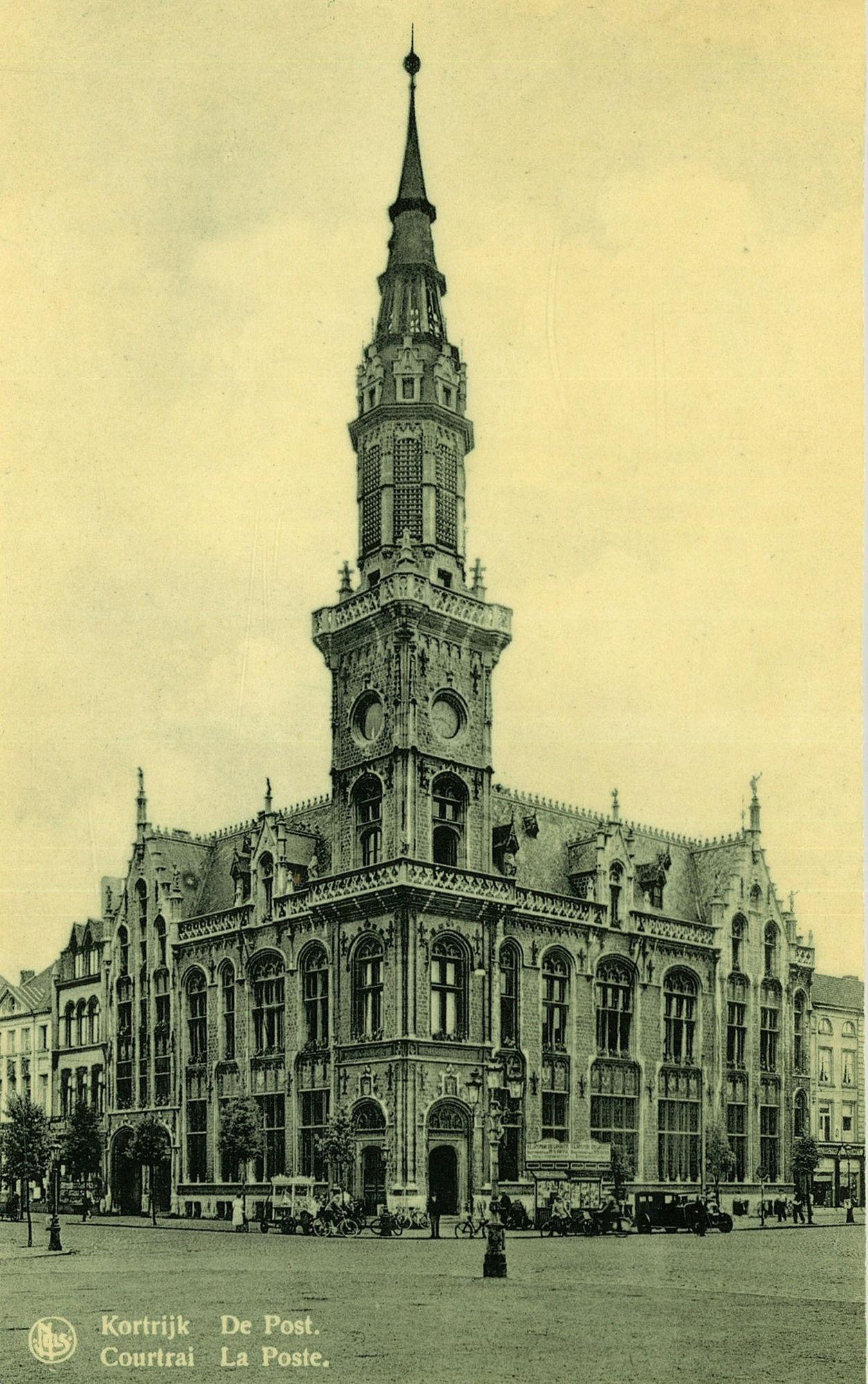 Het neogotische postgebouw