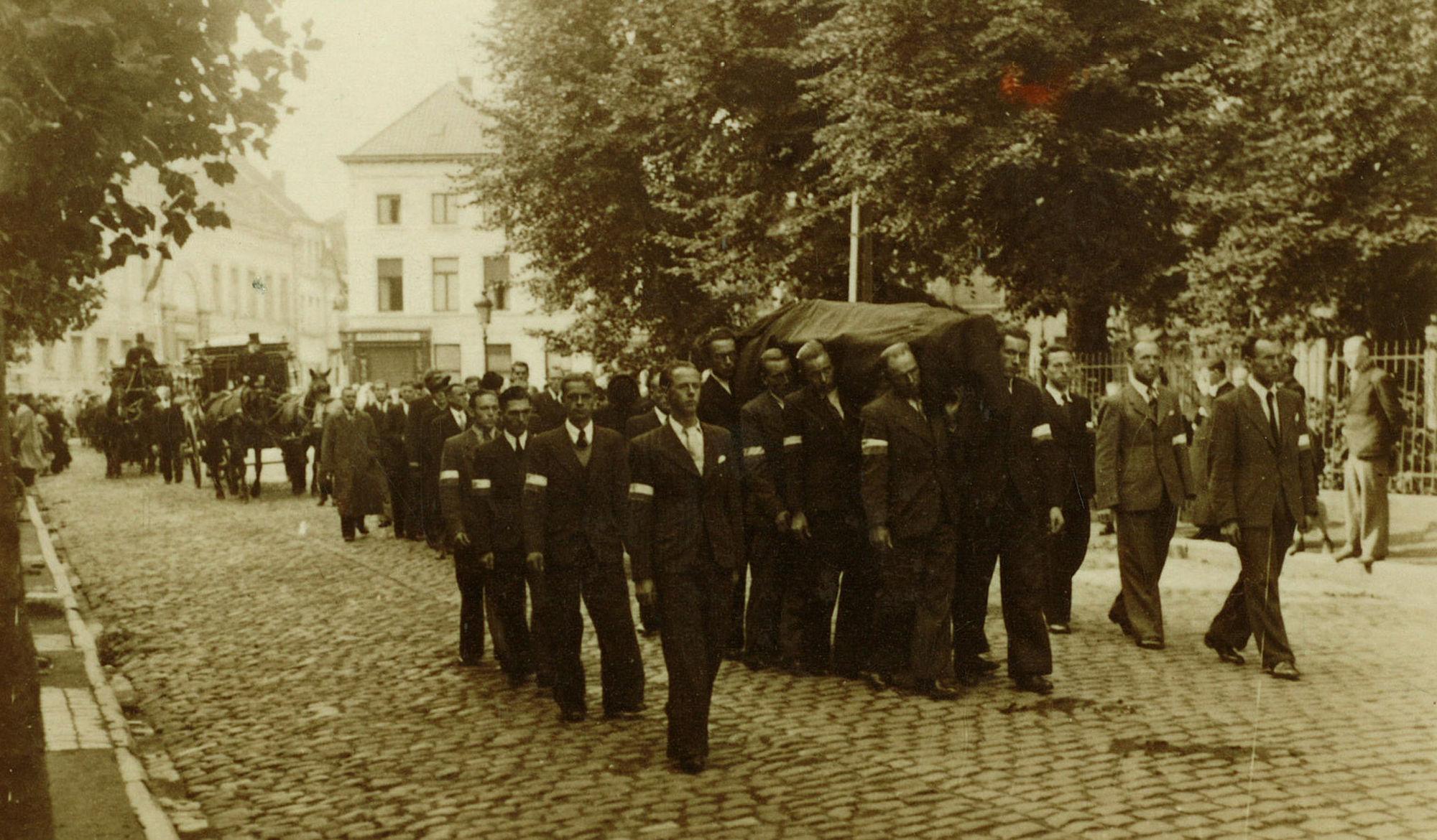 Uitvaart verzetsstrijders in 1944