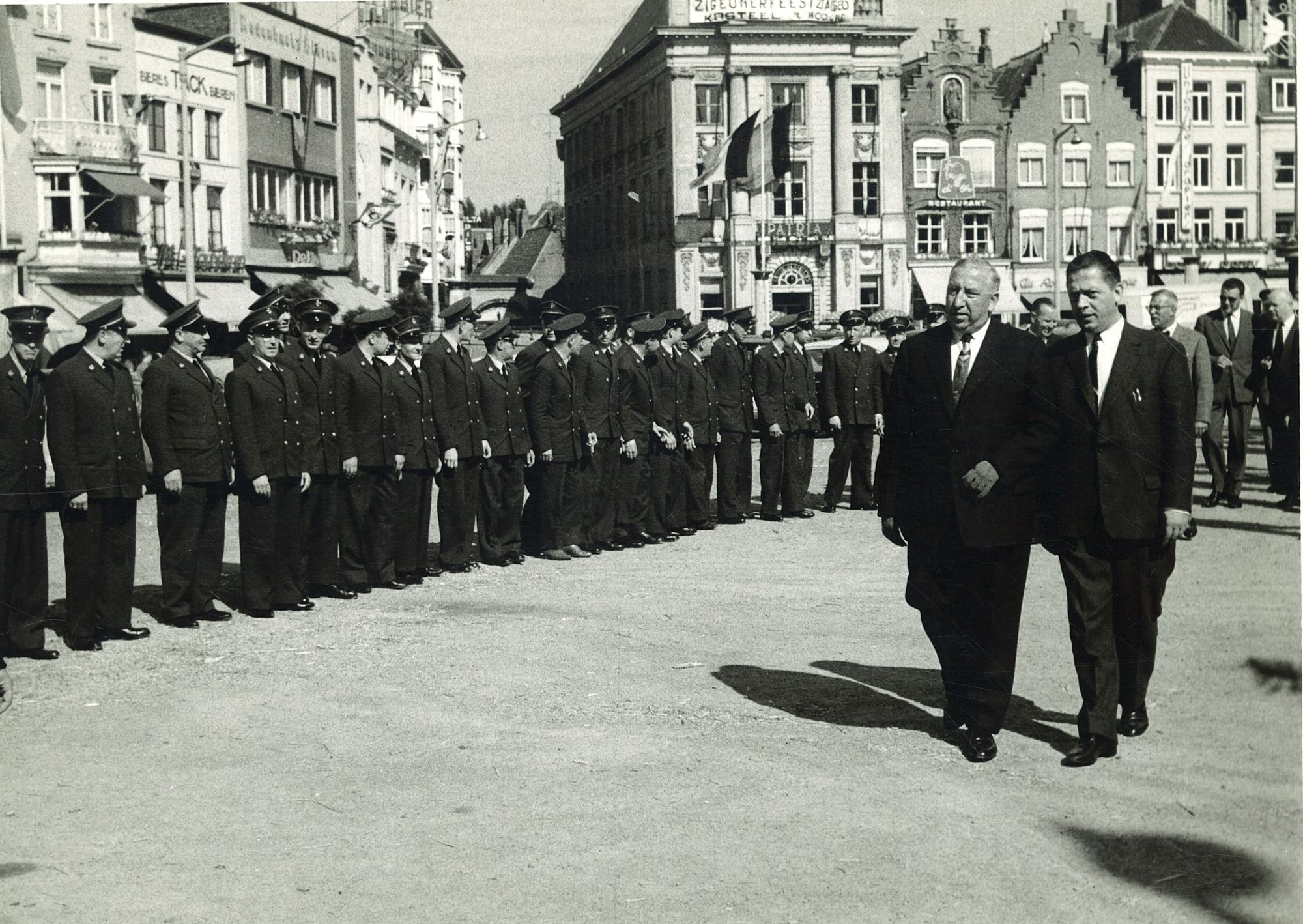 Minister P.W. Segers op Grote Markt