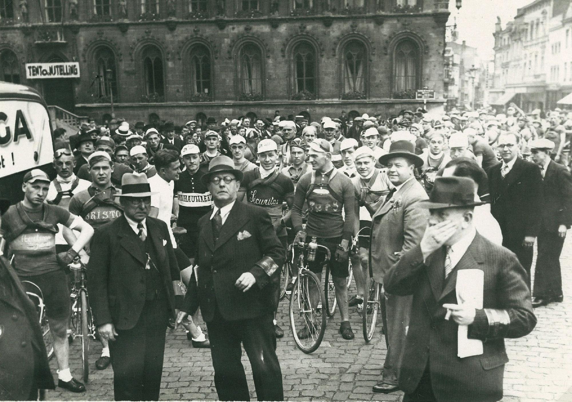 Belgisch Kampioenschap Juniors met start op de Grote Markt in 1938