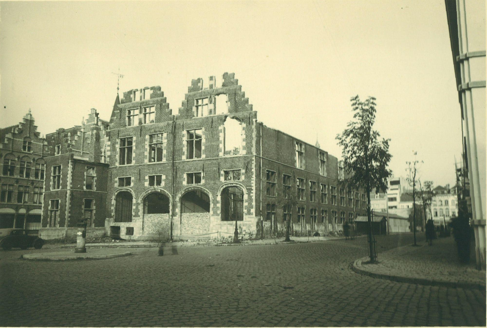 Grote Hallen aan het Schouwburgplein 1953