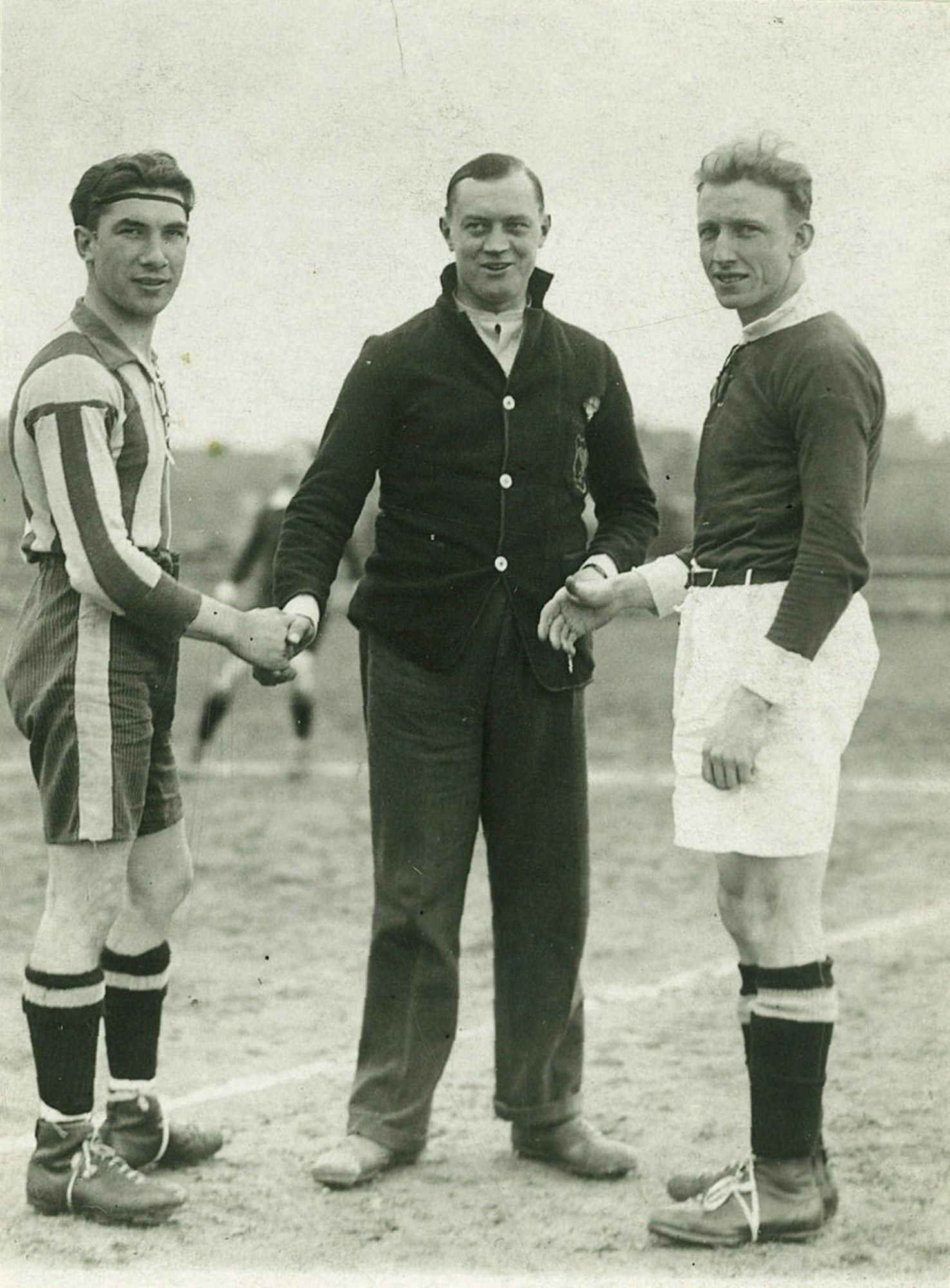Derby tussen Stade Kortrijk en Kortrijk Sport in 1945