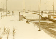 Ijsvorming aan de sluis in Bossuit in de winter van 1985