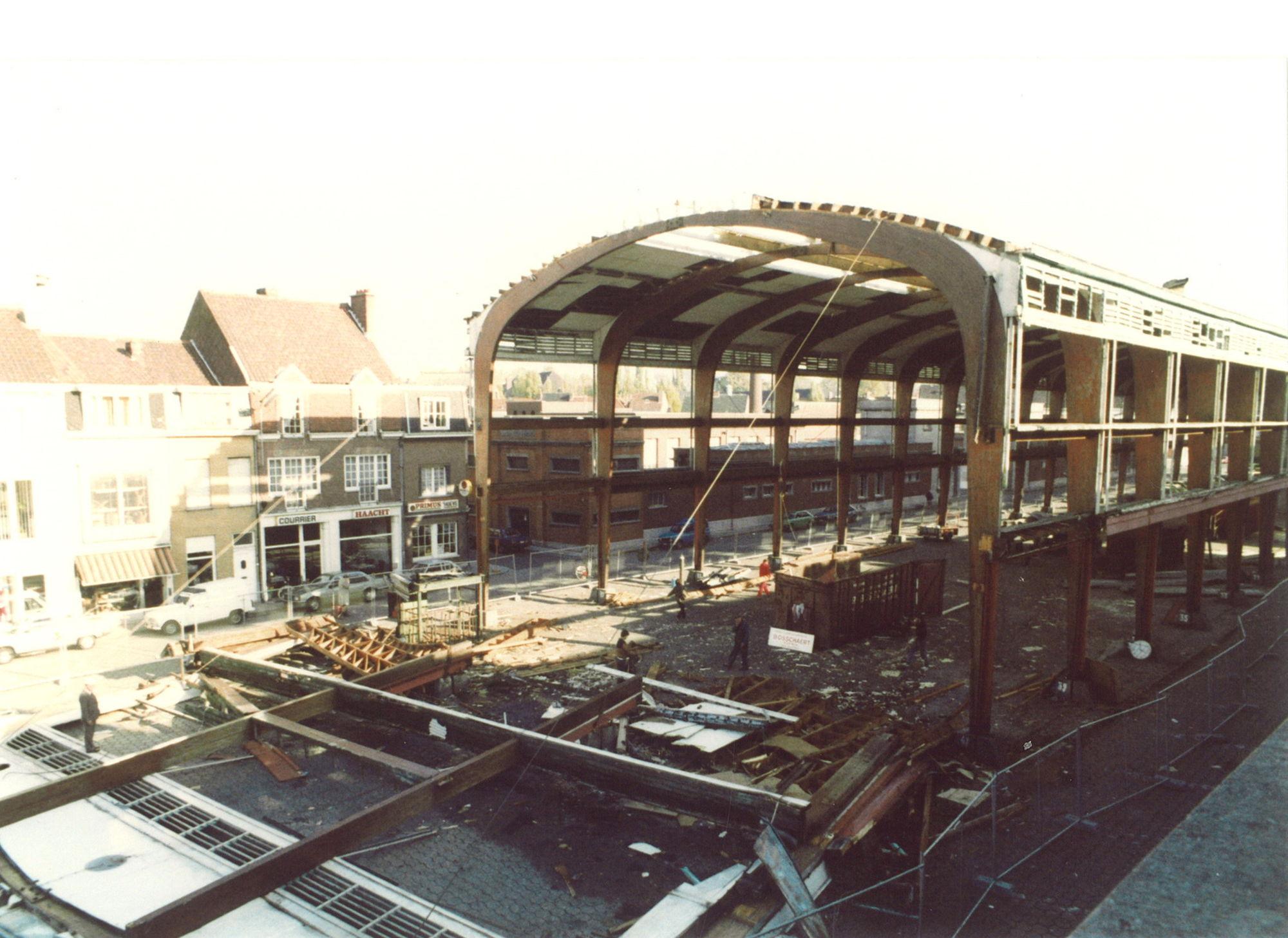 Afbraak Veemarkthallen, oktober 1986
