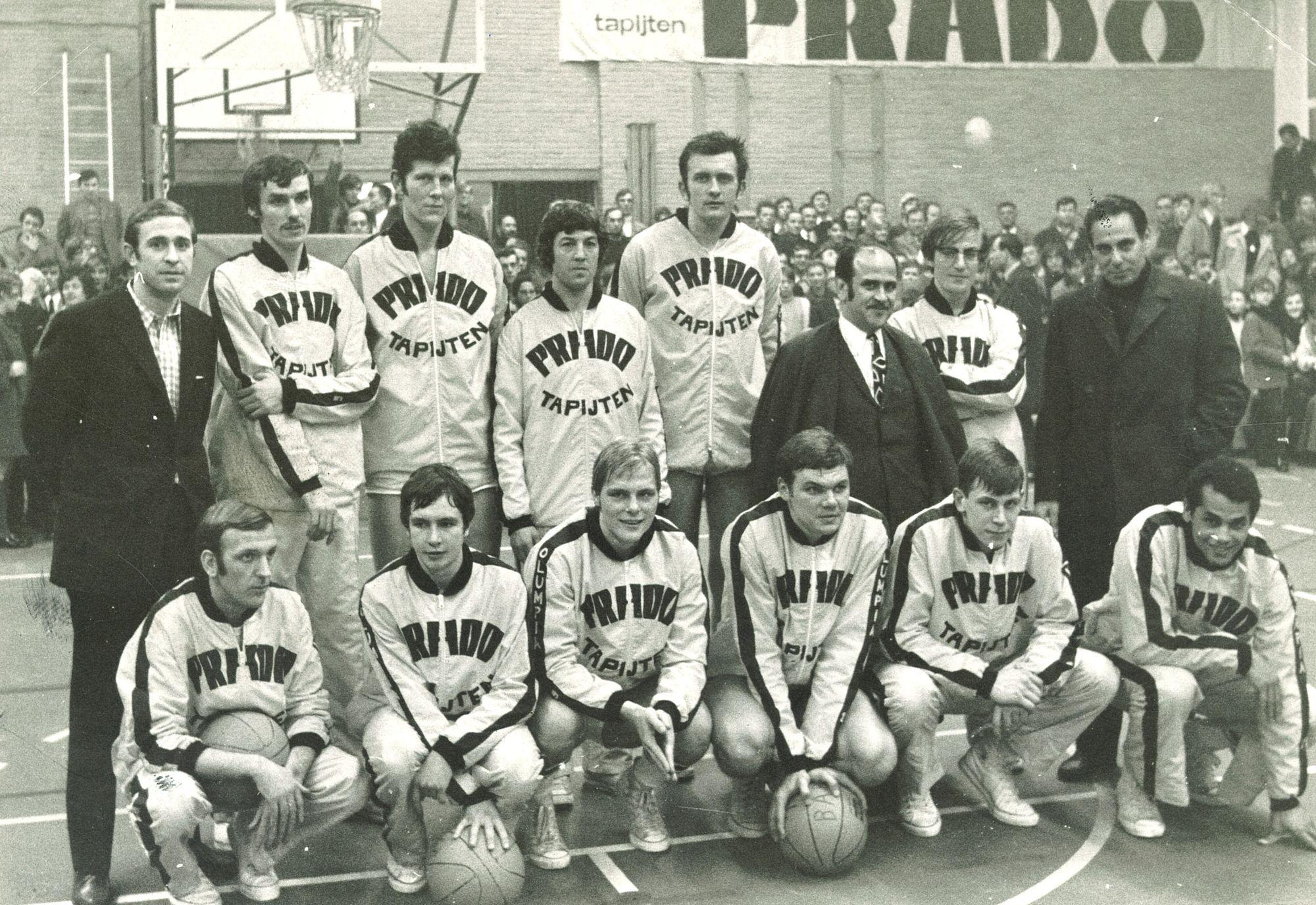 Basketbalploeg Prado Tapijten