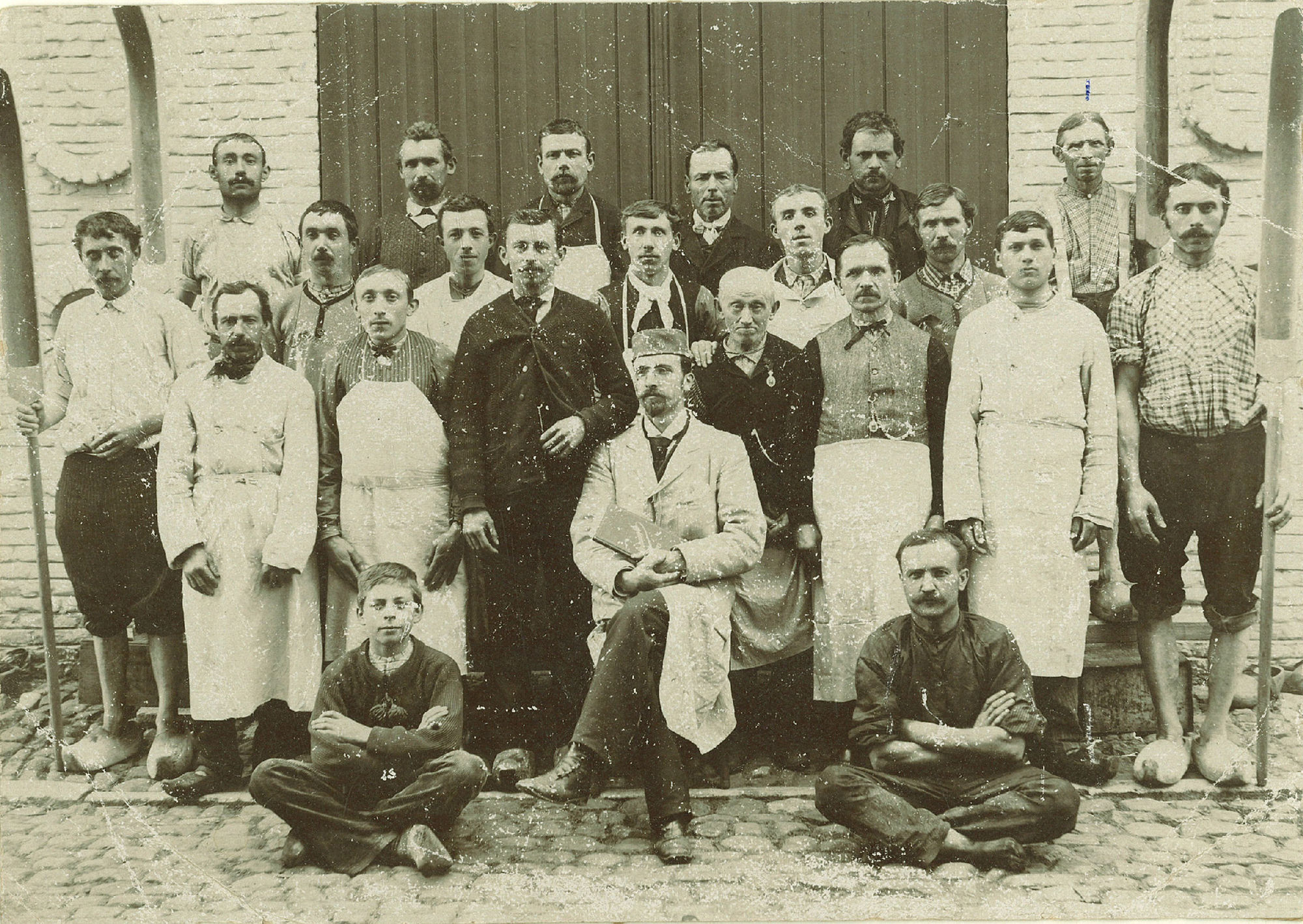 Arbeiders en bedienden van het bedrijf Paul Vercruysse Descamps