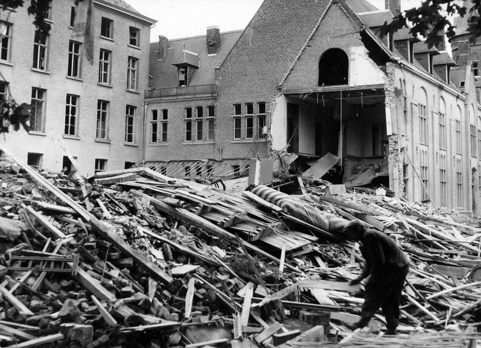 Sint-Carolus Borromeusgesticht in 1944