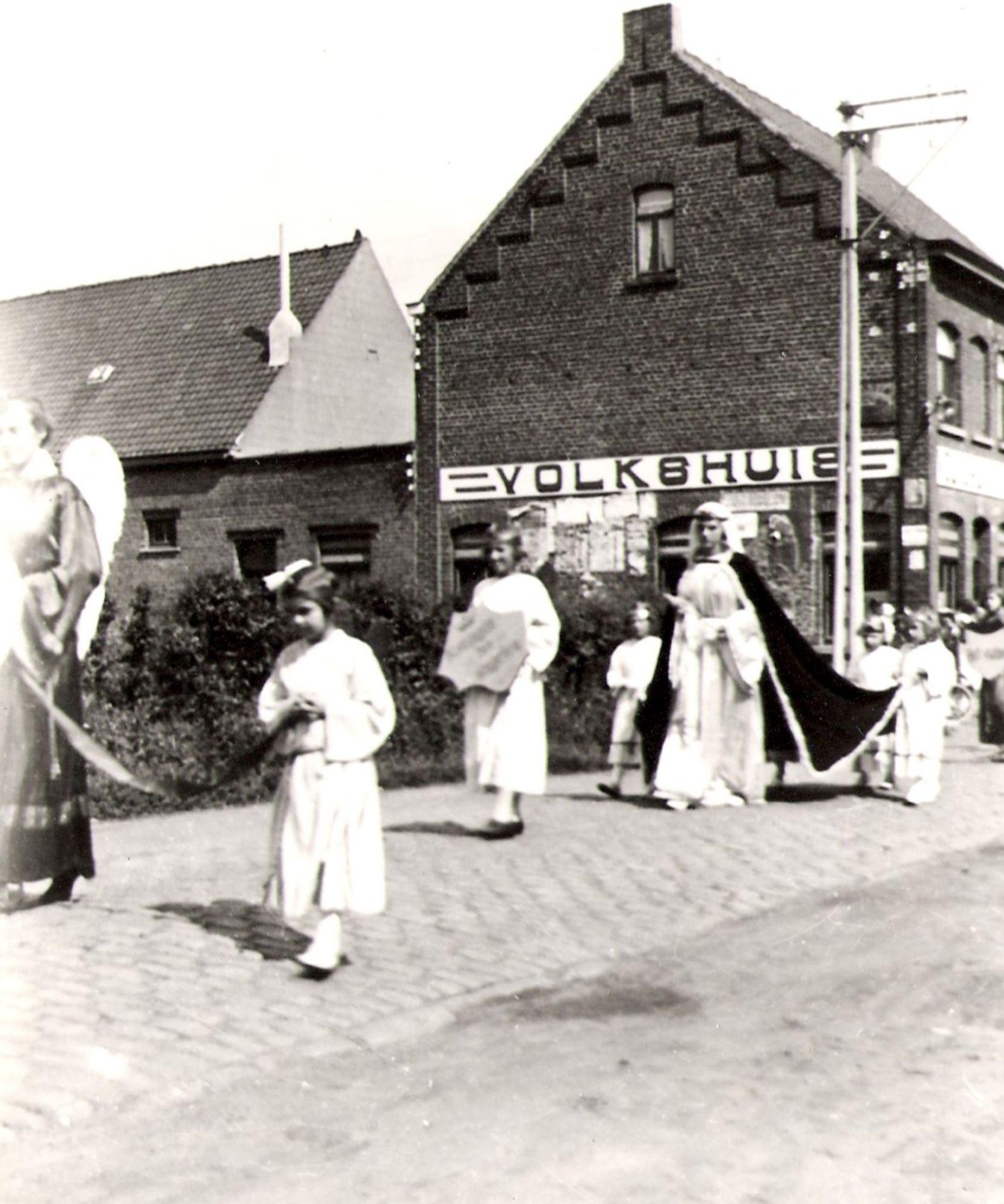 Processie Marktstraat Marke