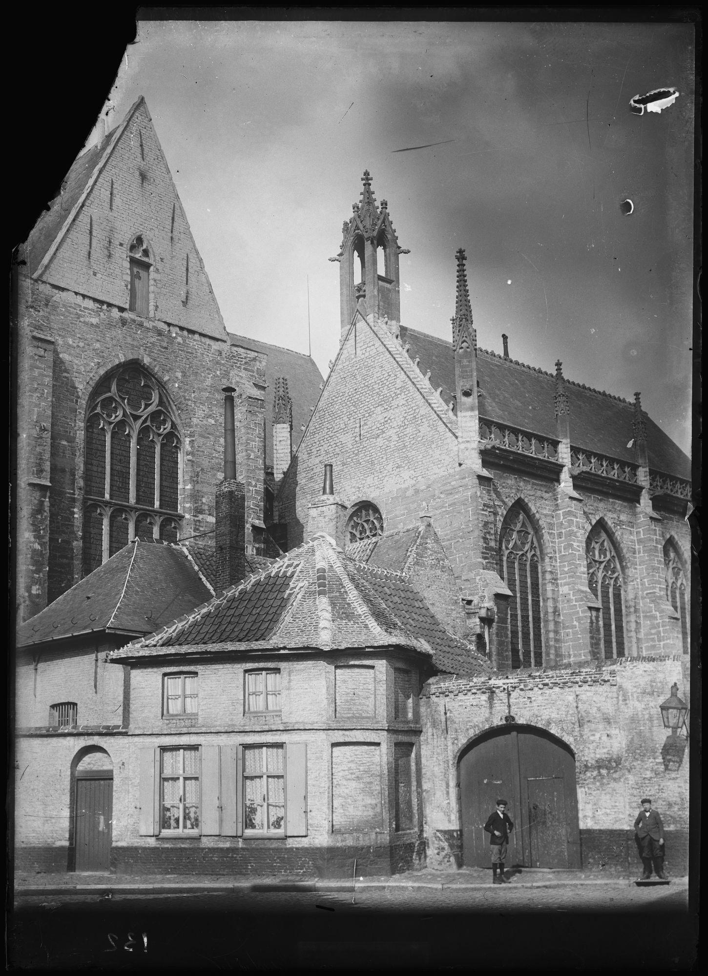 Onze-Lieve-Vrouwekerk in 1905