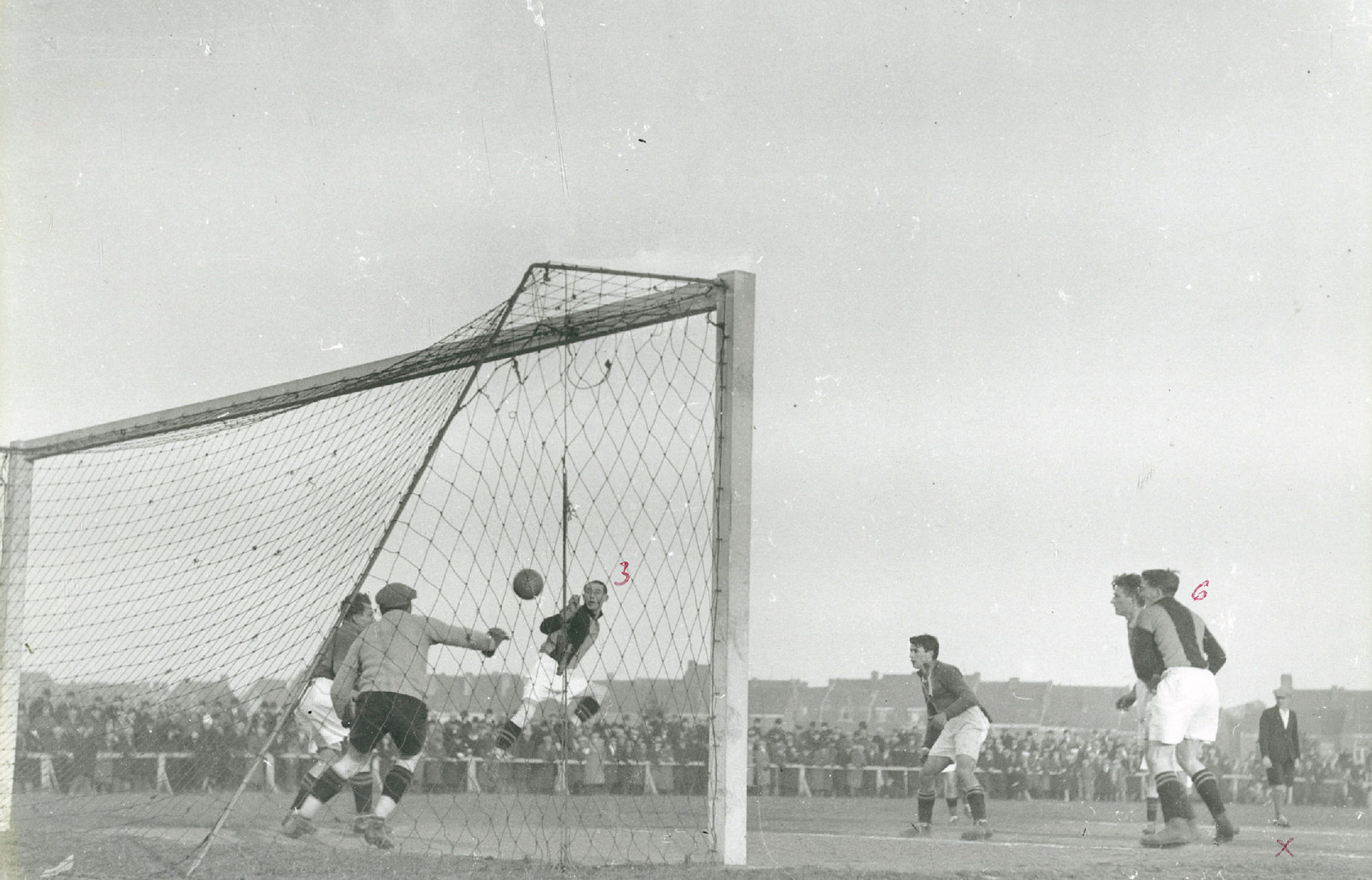 Voetbalmatch in 1934 of 1935