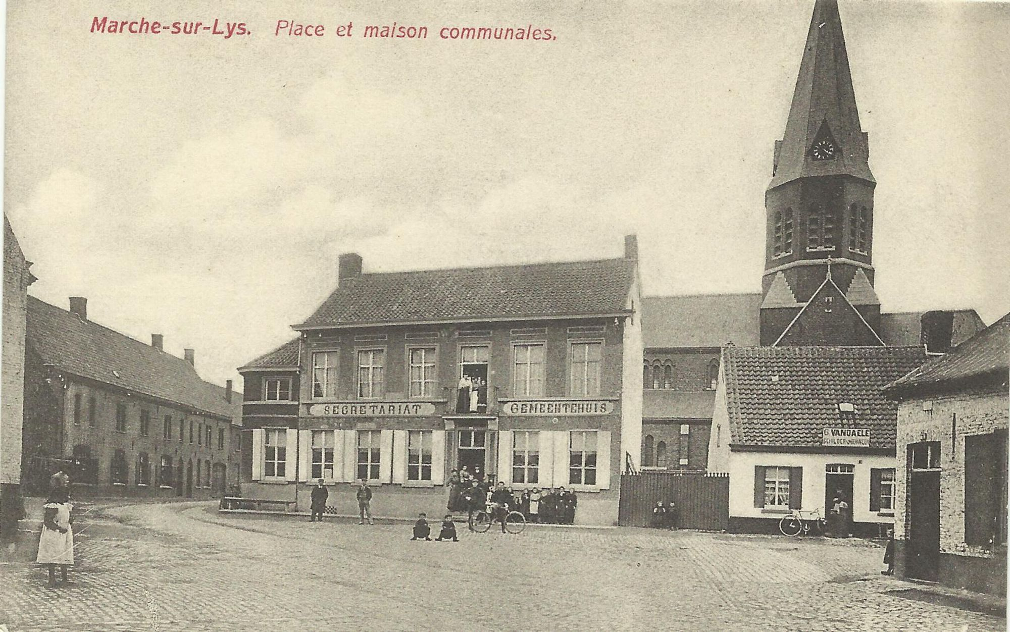 Markeplaats en gemeentehuis