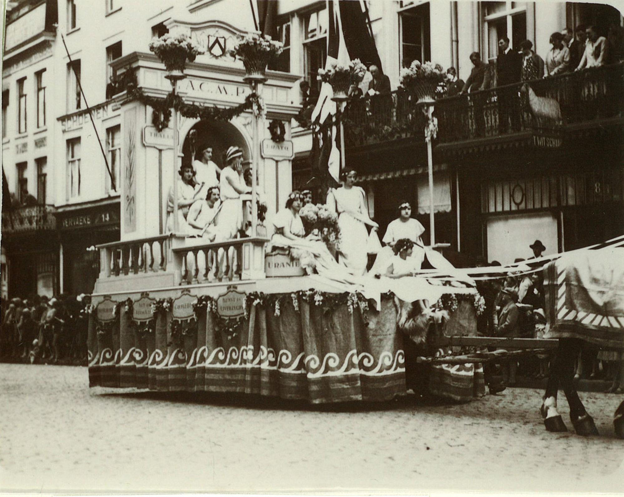 Stoet voor 100 jaar onafhankelijkheid van België