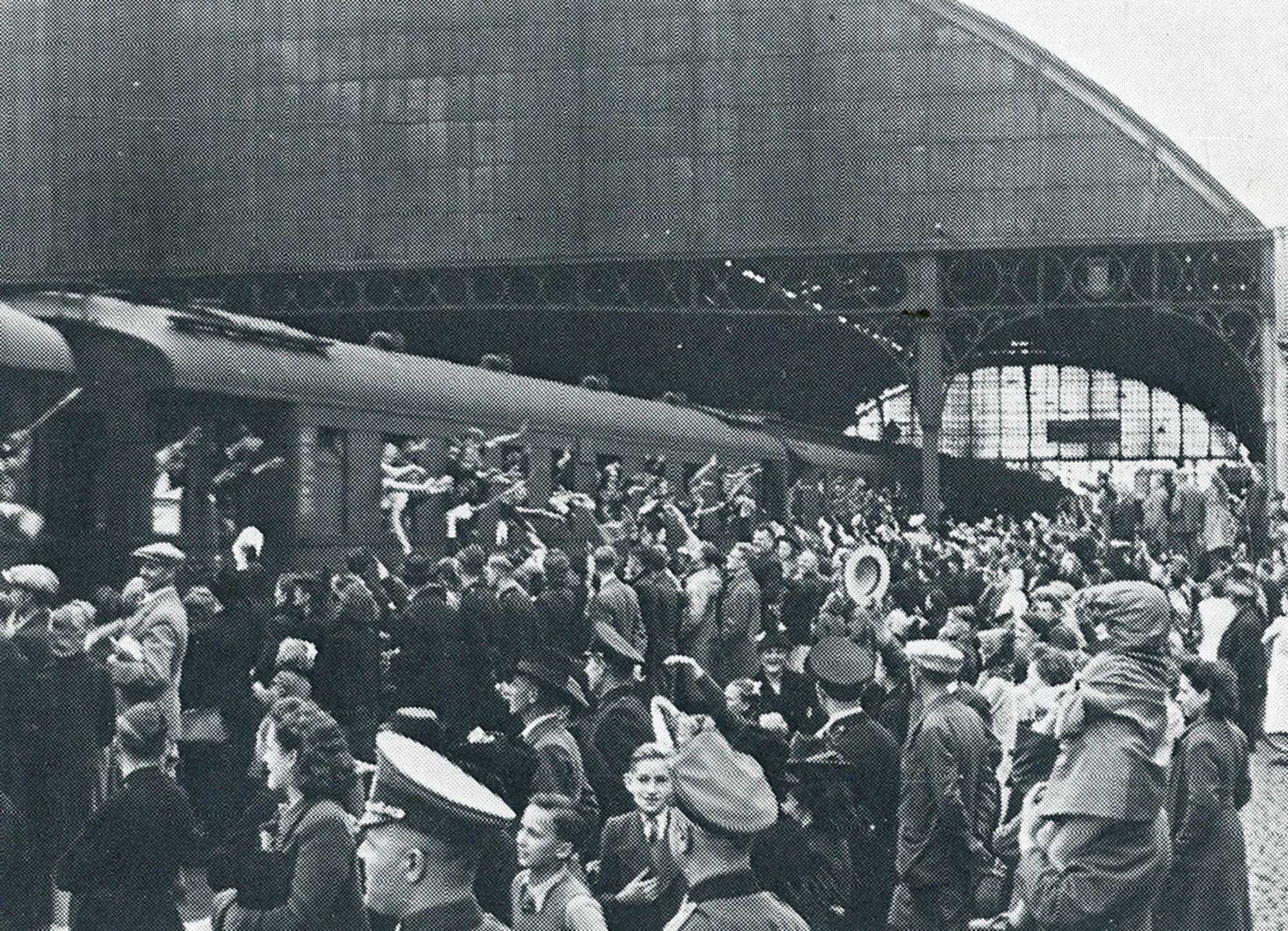 Albums Ghyoot 1_037 stations Duits gezinde jeugd op vakantie in het Rijk 1942