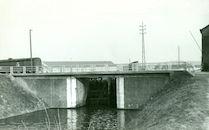 Sluis Nr. 7 met brug op het Kanaal Bossuit-Kortrijk te Zwevegem 1950