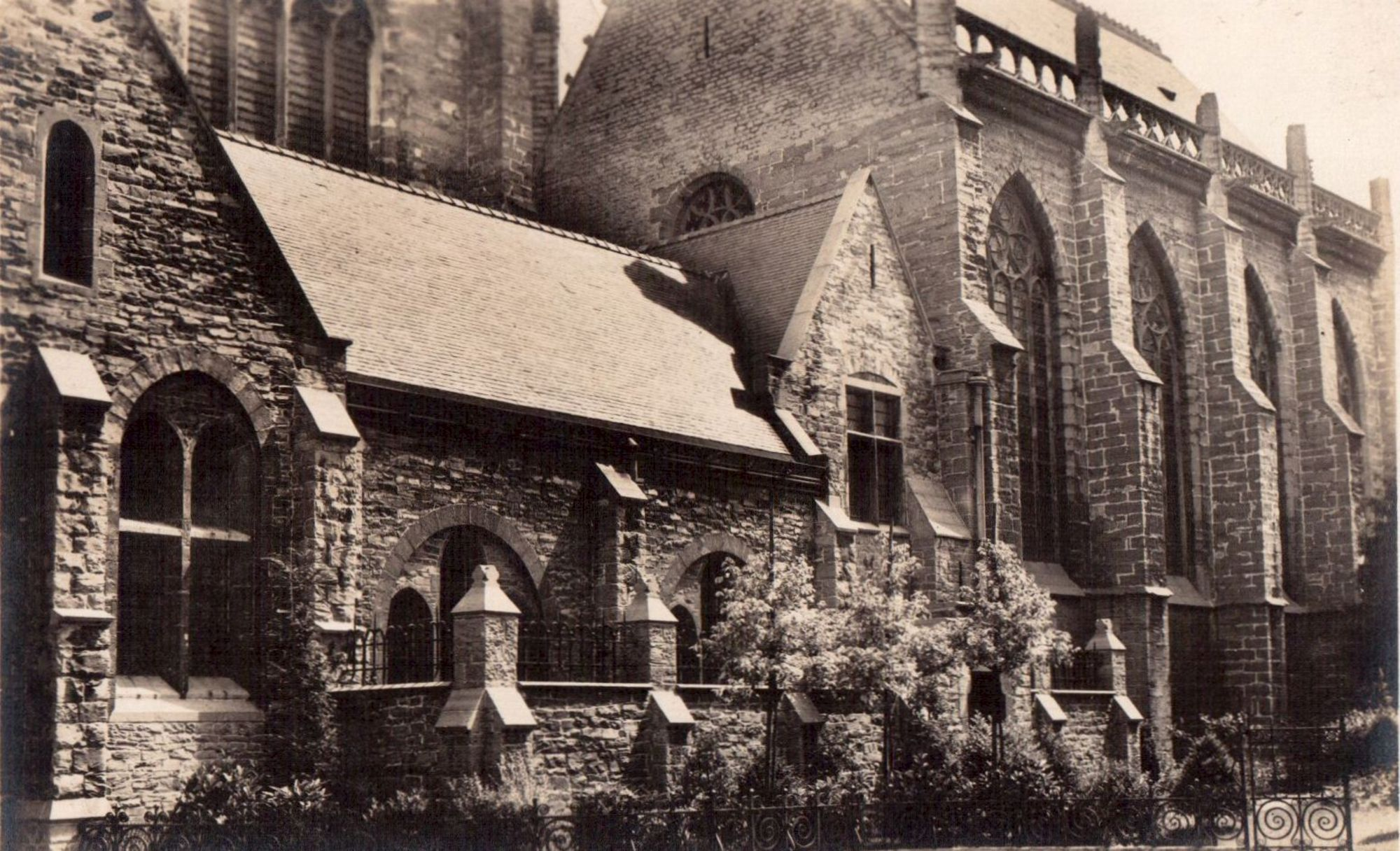 Onze-Lieve-Vrouwekerk, Kortrijk