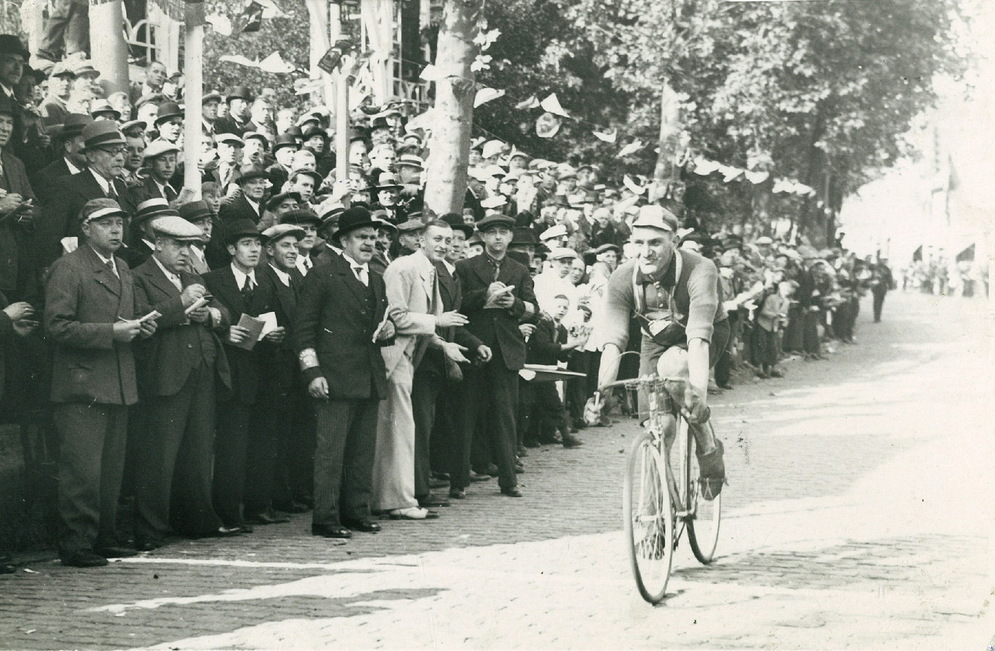 Wielrenner Dooms in 1938