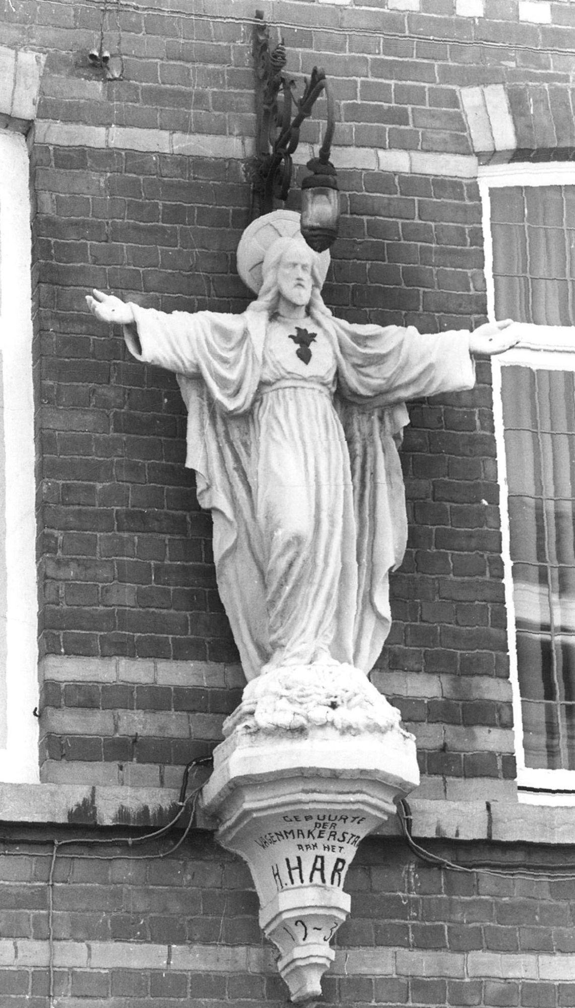 Heilig-Hartbeeld in de Wagenmakersstraat 1988