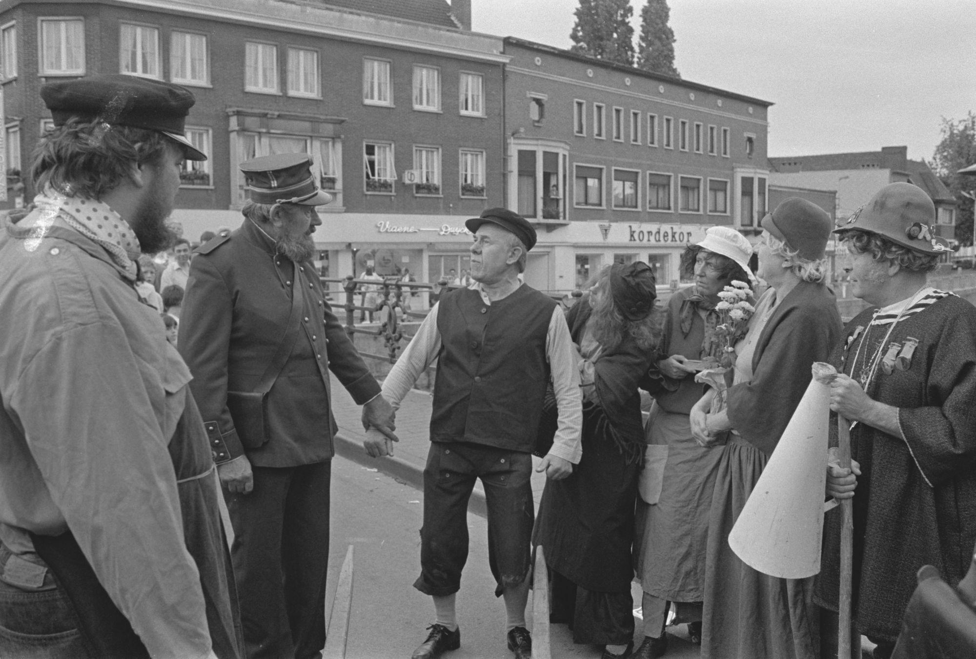 Historische stoet ter herdenking van 100 jaar Hendrik Conscience