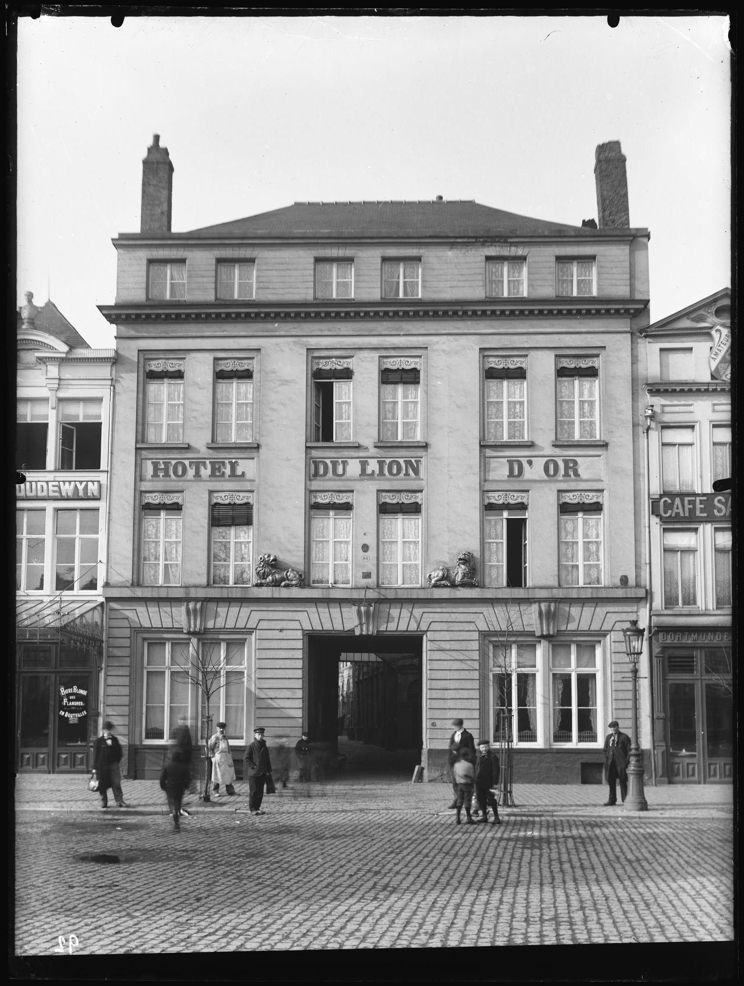 Hotel du Lion d'Or op de Grote Markt