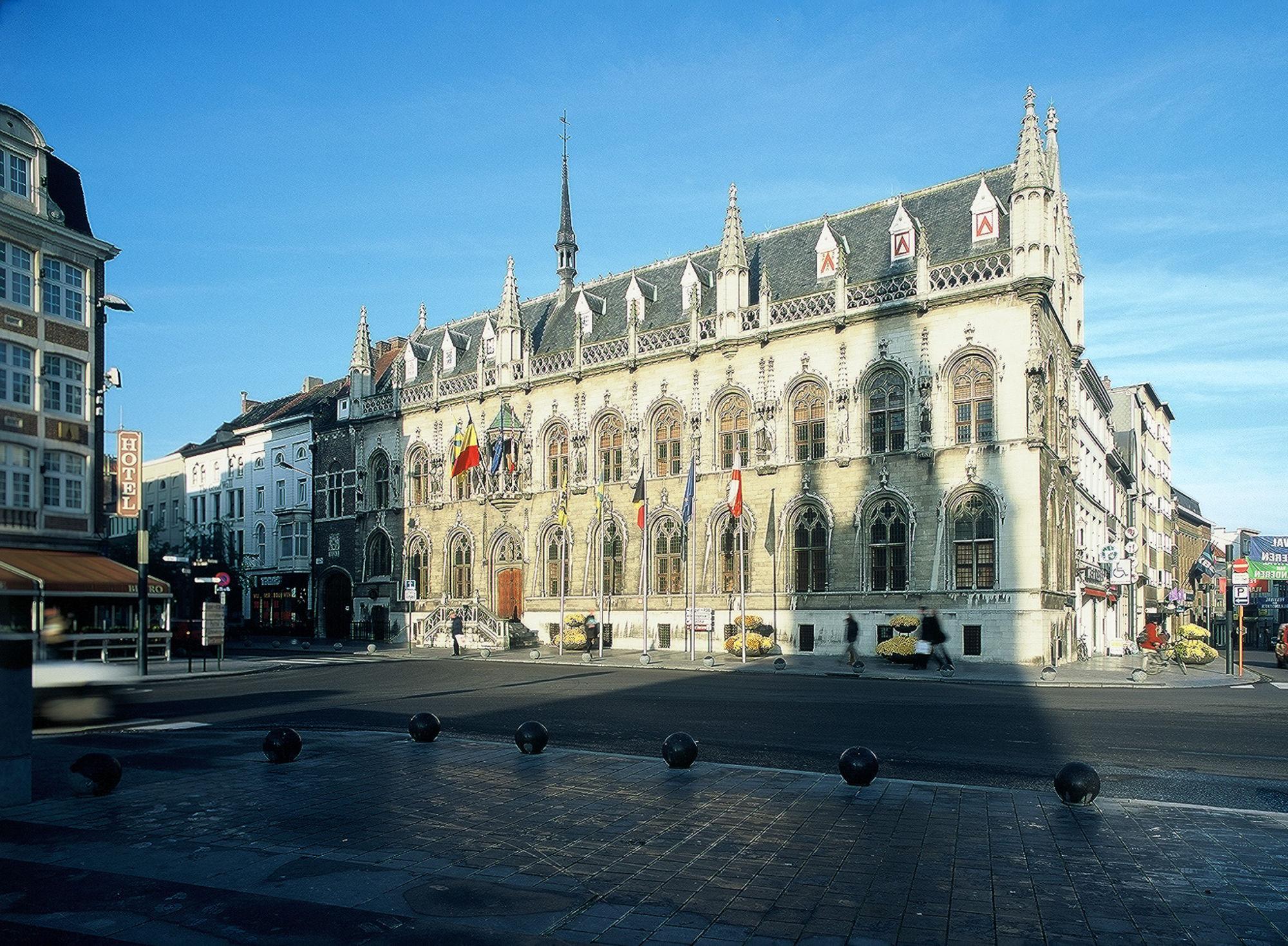 Historisch stadhuis 1