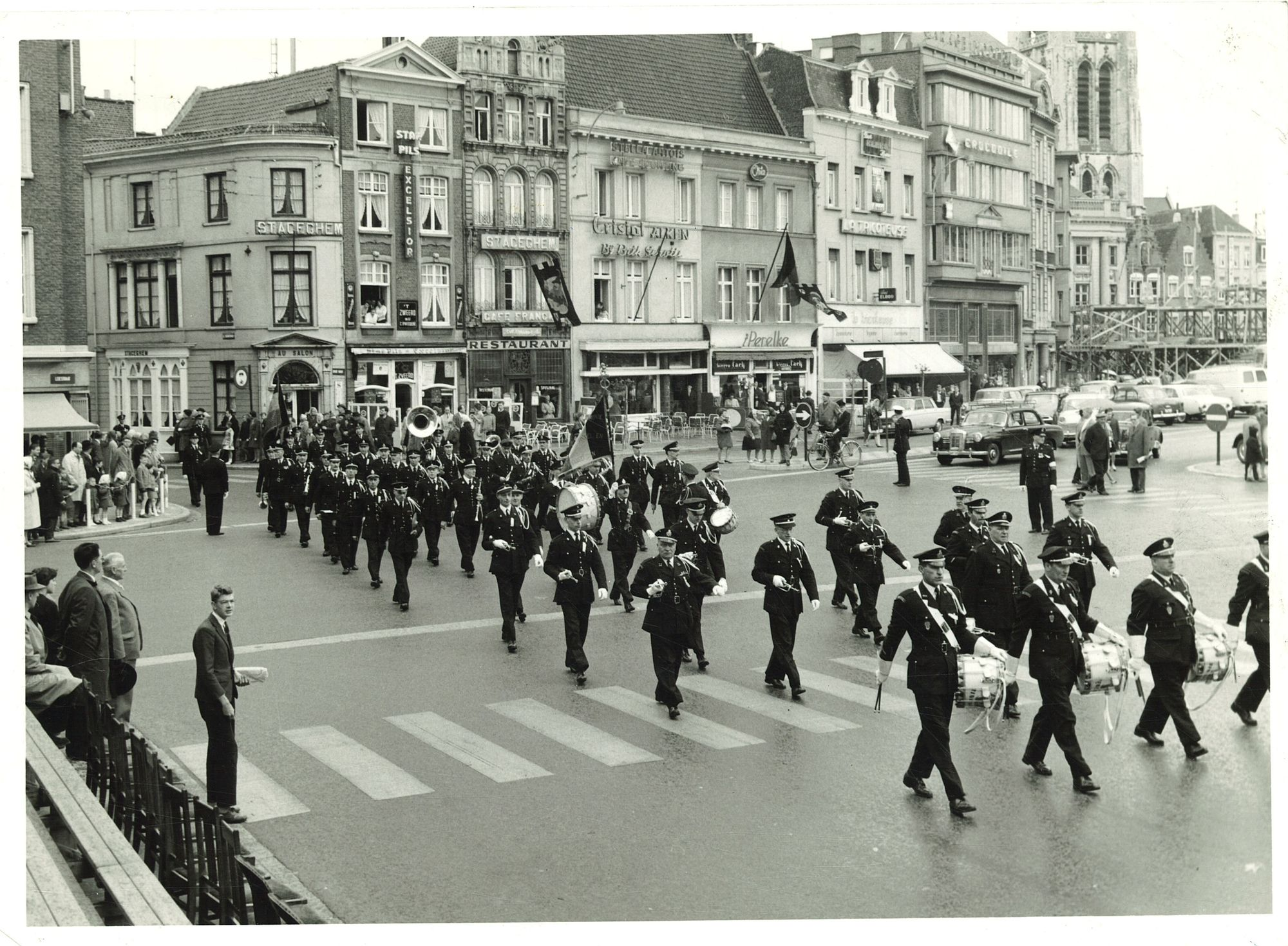 Nationale politiefanfare op de Grote Markt
