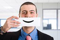 Man met glimlach