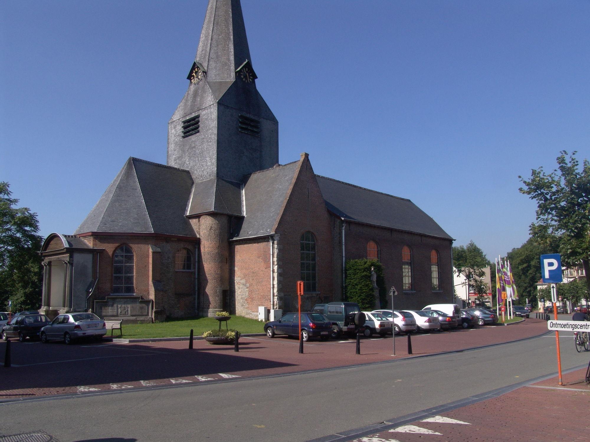 Belllegem St. Amanduskerk