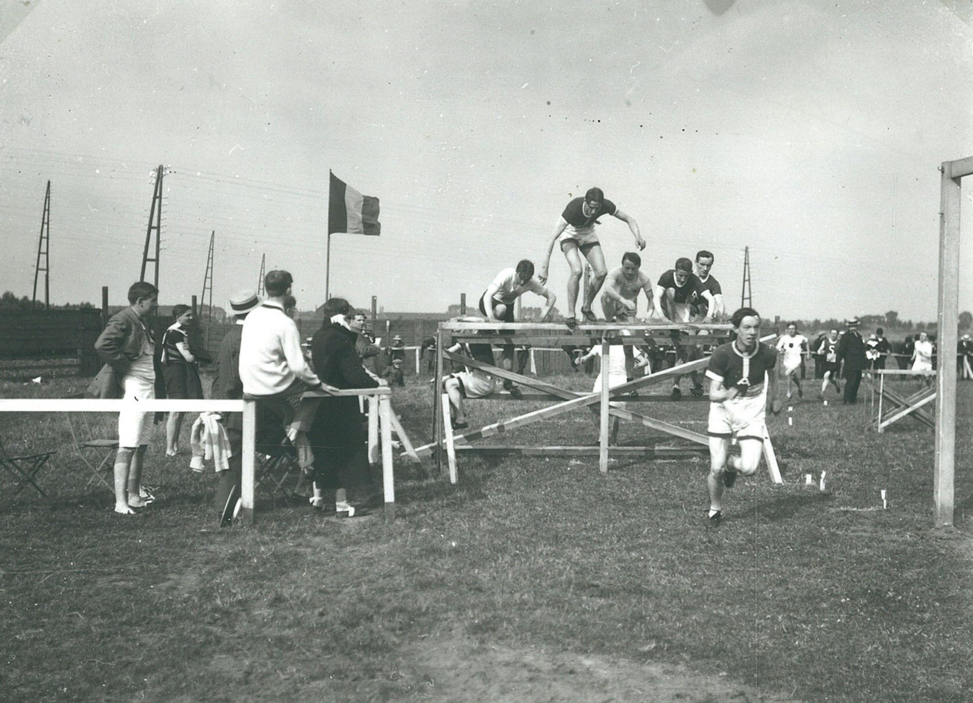 Sportmeeting langs de spoorweg naar Gent