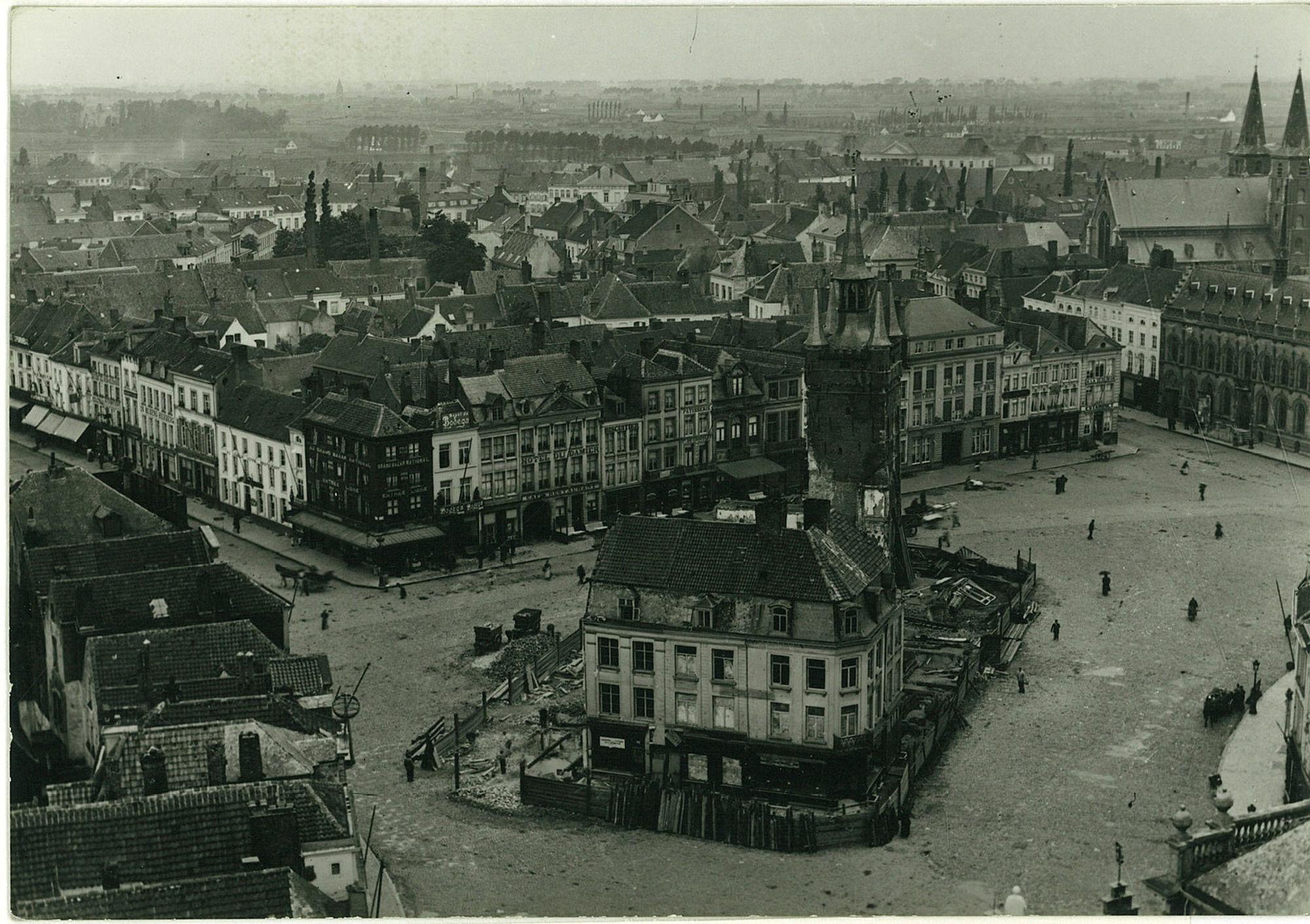 Panoramafoto afbraak huizen rond het Belfort
