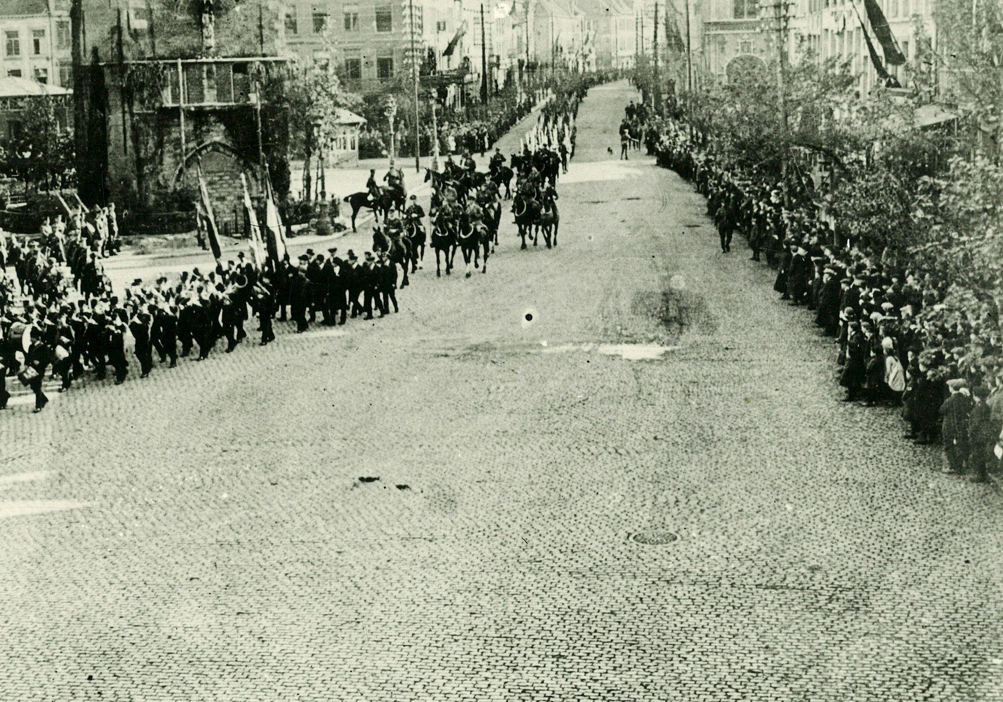 Albums Ghyoot 4_088 ontvangst Engelse soldaten 19de Engelse leger 28.10.1918