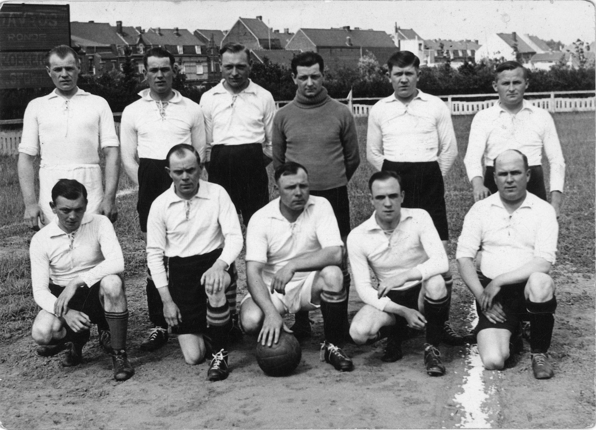 Voetbalploeg in 1937
