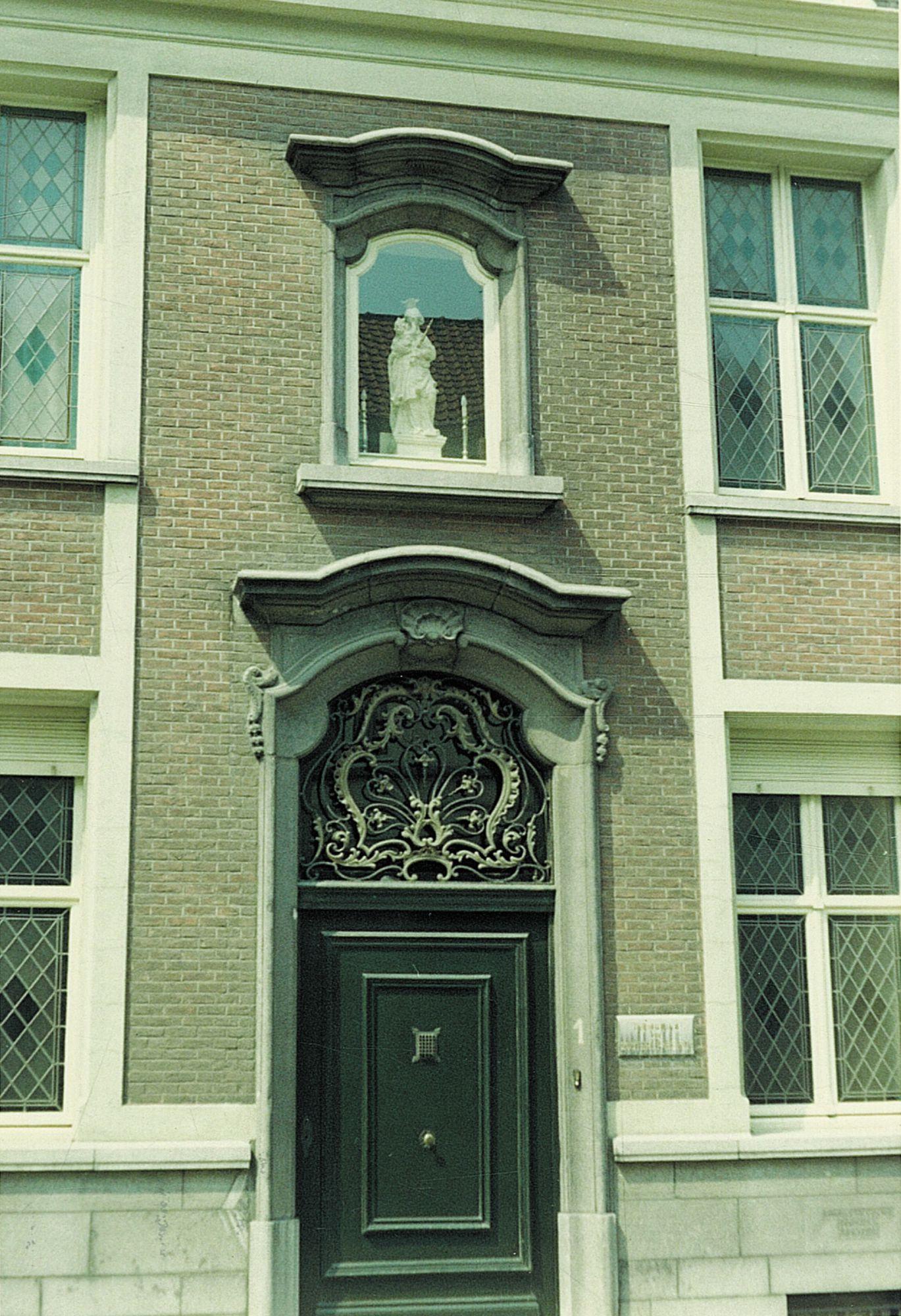 Bersacques Poortje