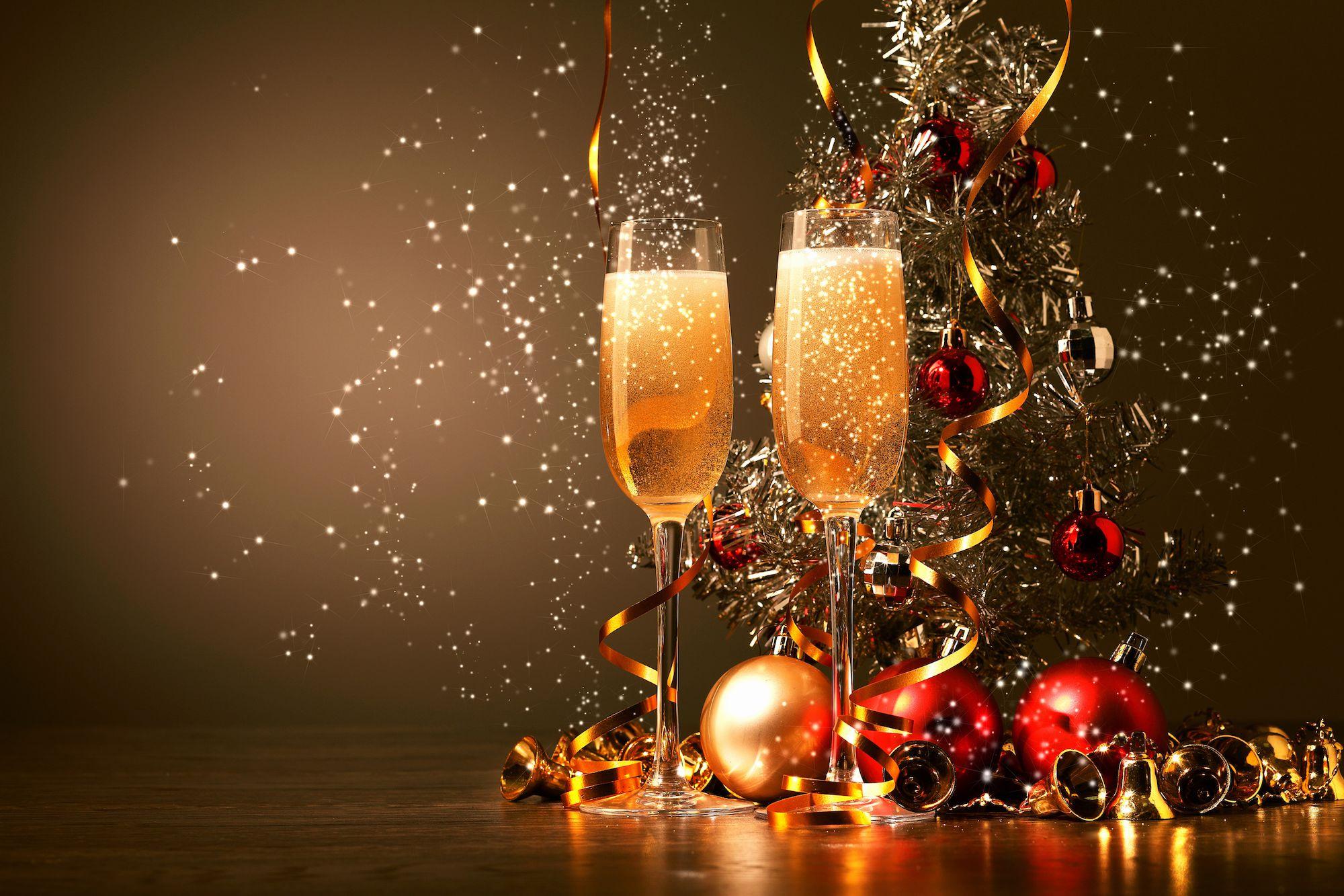 Glazen champagne tijdens kerstdagen