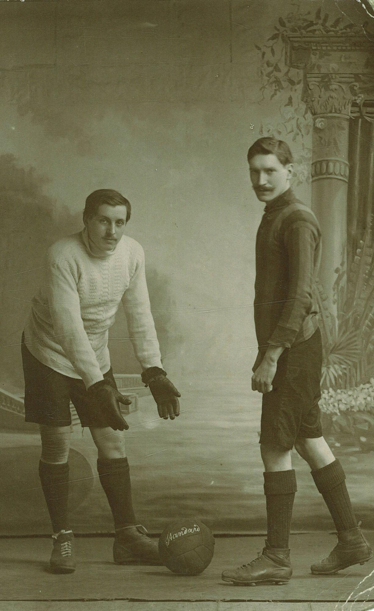 Voetballers bij de rijkswacht in Avelgem