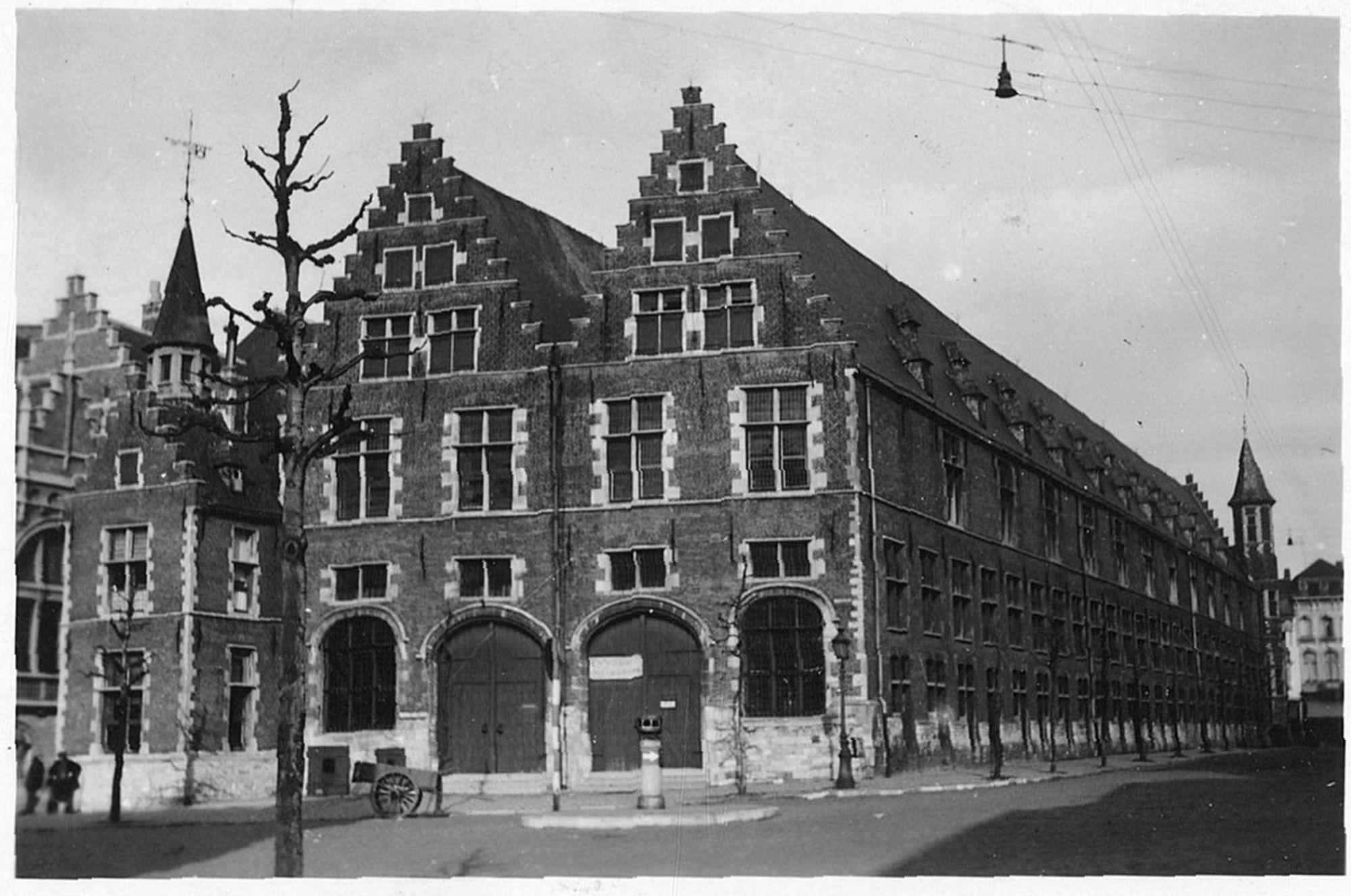 De Grote Hallen (Schouwburgplein)