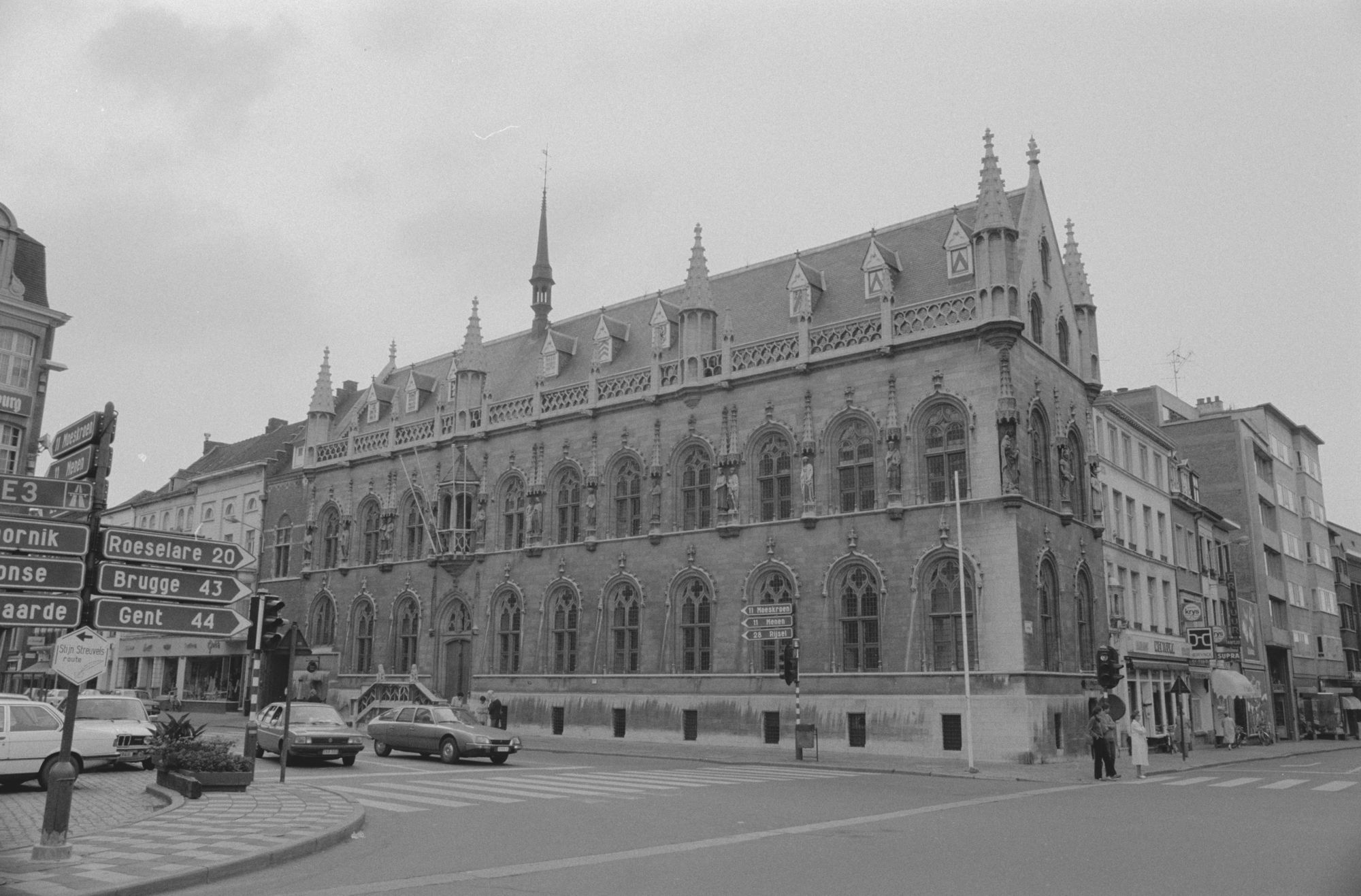 Stadsbeelden: stadhuis