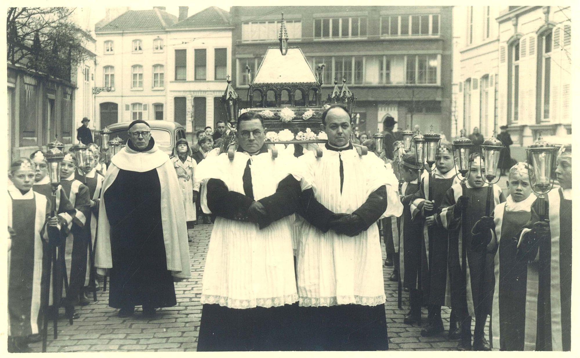 Overbrenging relieken Sint Elooi