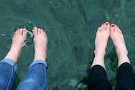 Voeten in water