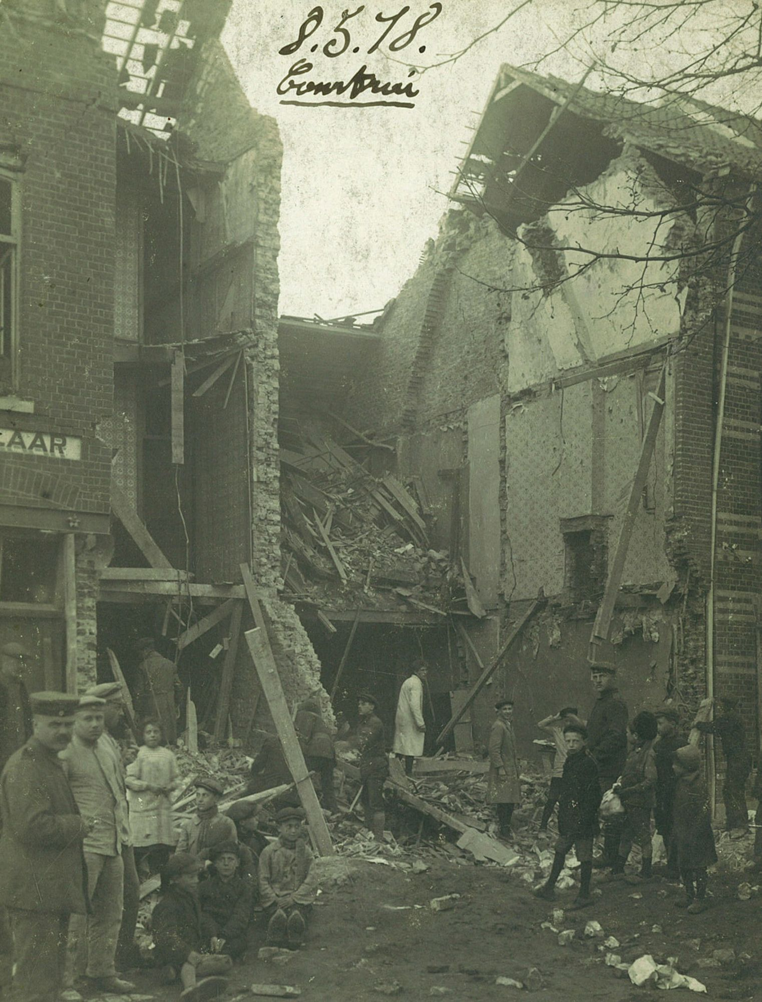 Albums Ghyoot 4_069 Meensesteenweg bombardement 08.05.1918 WO I