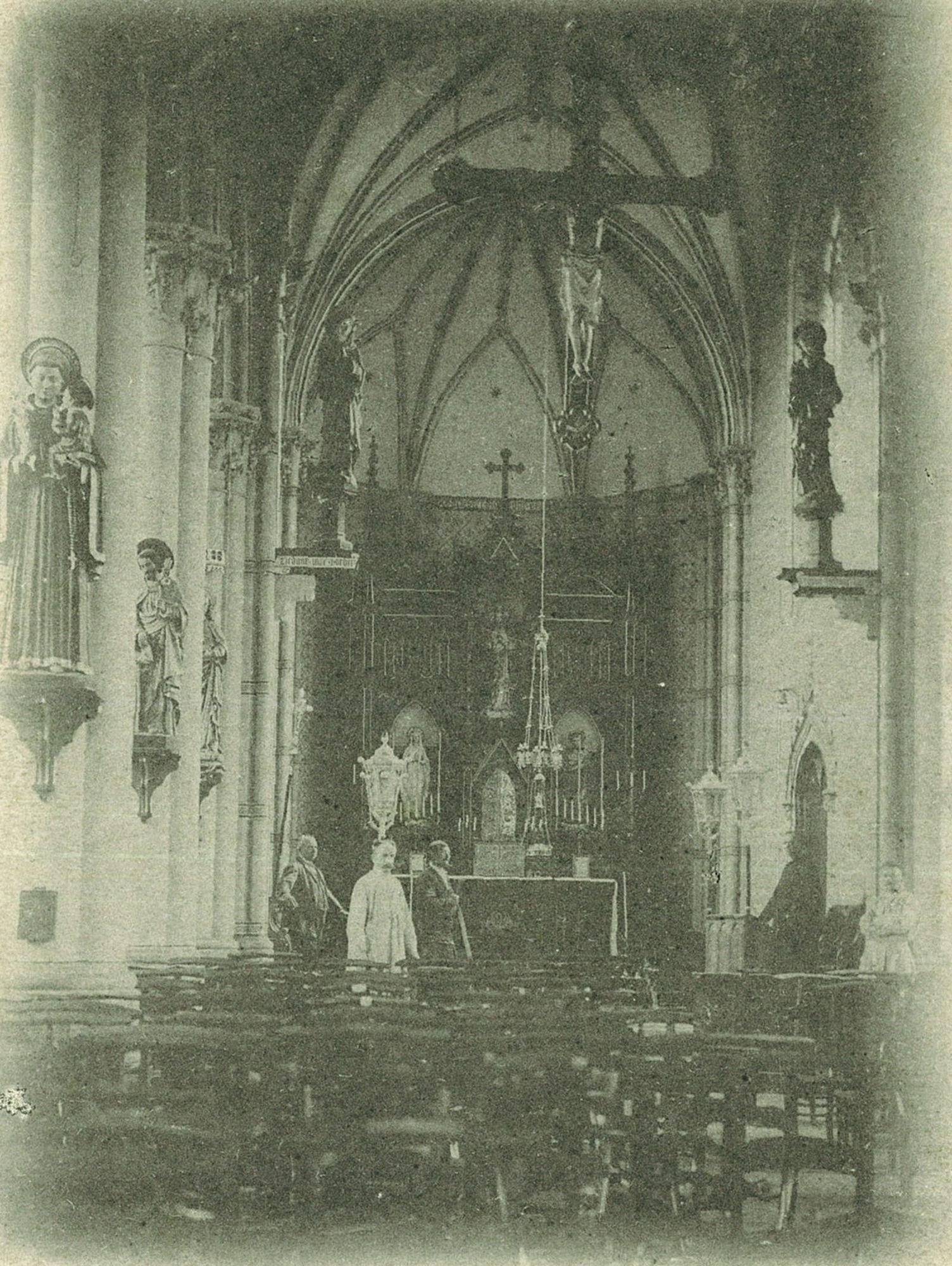Kooigem Interieur van de kerk