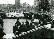 Huldiging van Broeder Isidoor op Grote Markt 1952