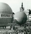 Luchtballonnen op Grote Markt 1963