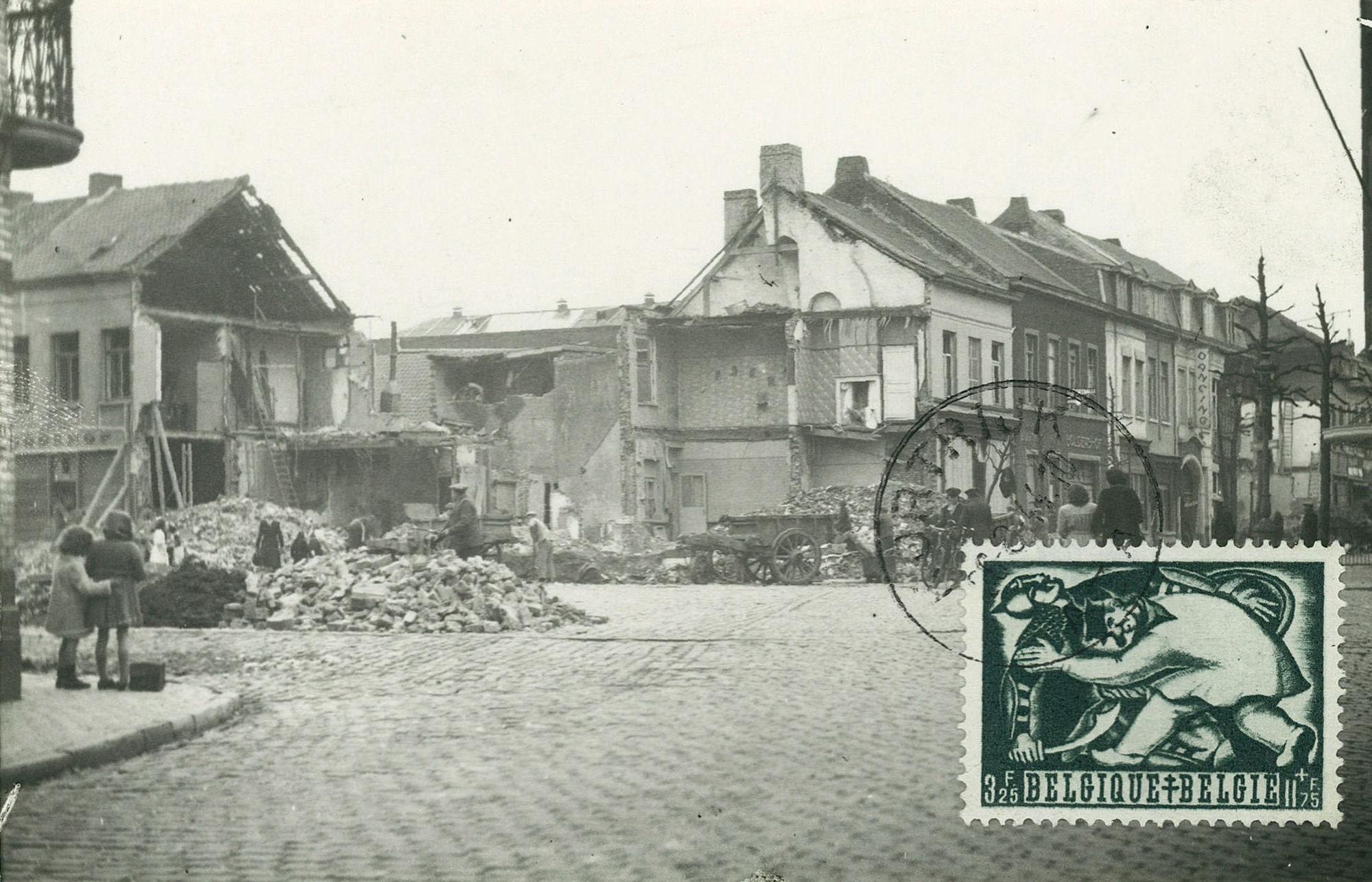 Hoek Veemarkt en Zwevegemsestraat in 1944