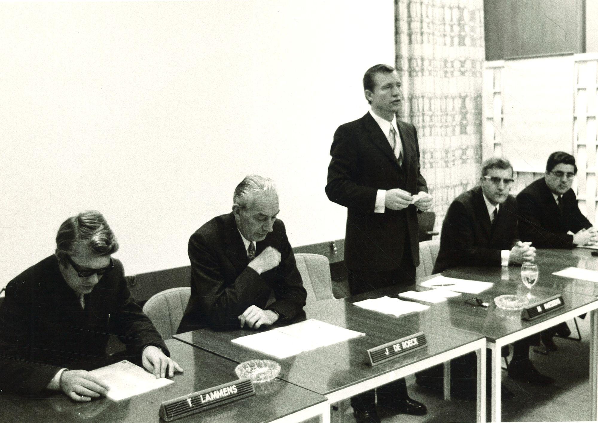 Vergadering in De Hallen
